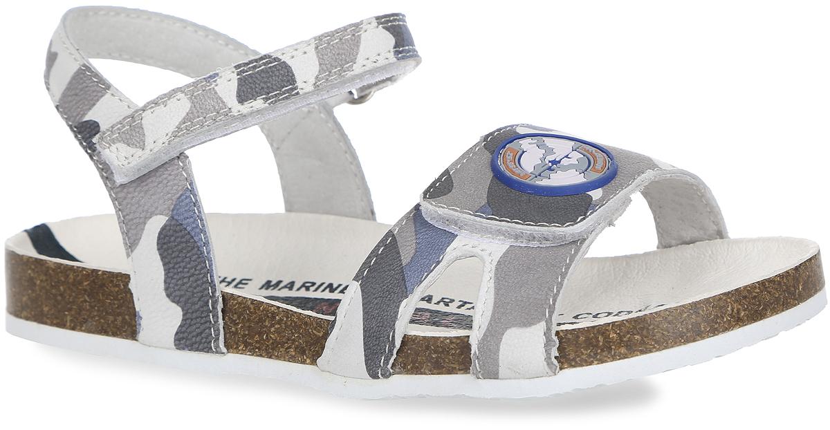 Сандалии для девочки Kapika, цвет: серый, темно-голубой, грязно-белый. 32230-1. Размер 3132230-1Модные сандалии от Kapika покорят свои удобством!Модель выполнена из натуральной кожи и оформлена принтом в стиле милитари, на переднем ремешке - прорезиненной нашивкой. Ремешки на застежках-липучках обеспечивают оптимальную посадку обуви на ноге, не давая ей смещаться из стороны в сторону и назад. Кожаная стелька оформлена модным принтом. Подошва с рифленым протекторомобеспечивает идеальное сцепление с любой поверхностью.Стильные и практичные сандалии займут достойное место в гардеробе вашей девочки!