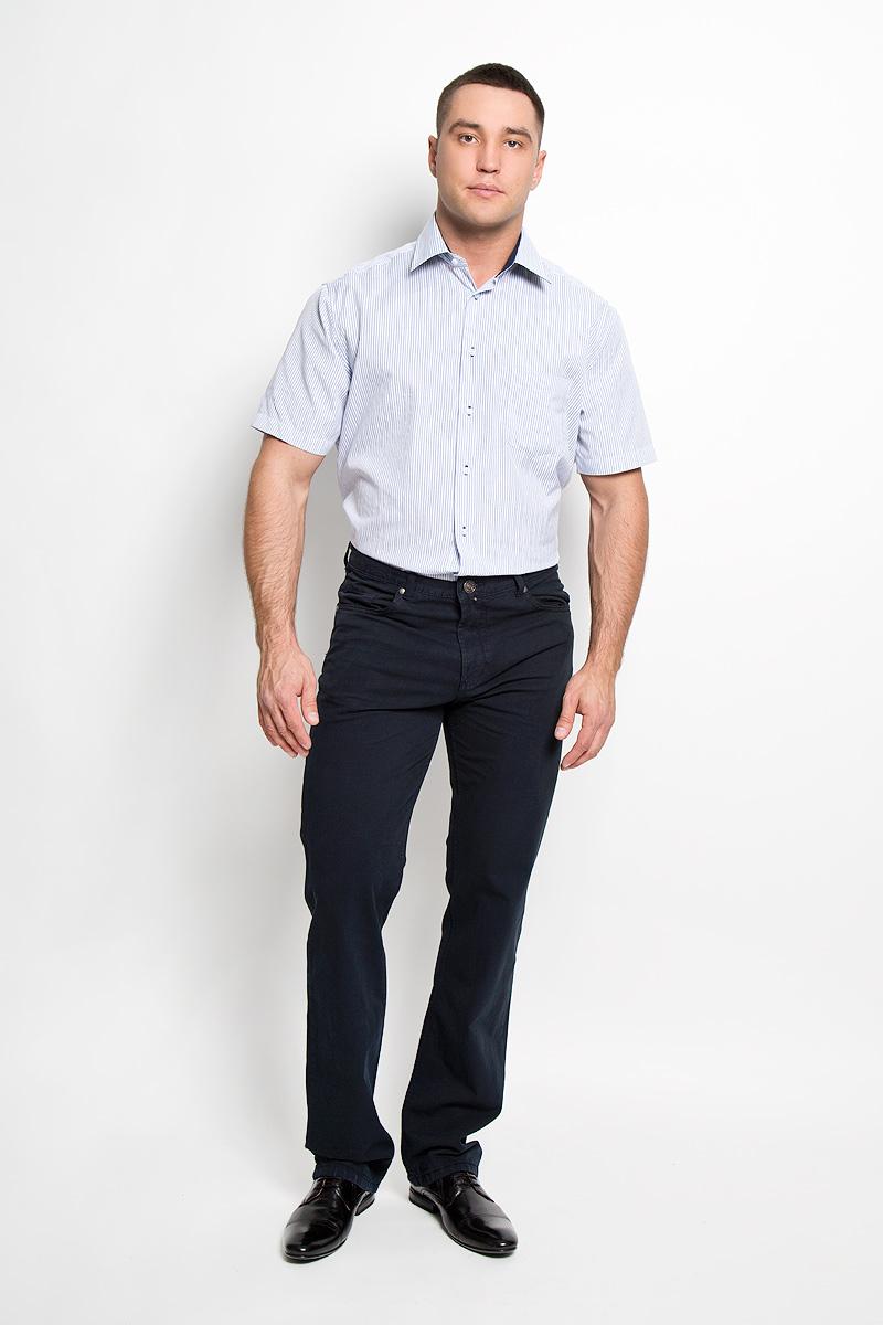Рубашка мужская John Jeniford, цвет: синий, белый. JJ-k-1008-SL15-U2. Размер 43 (52/54)JJ-k-1008-SL15-U2Мужская рубашка John Jeniford, выполненная из хлопка с добавлением полиэстера, прекрасно подойдет для повседневной носки. Материал очень легкий, мягкий и приятный на ощупь, не сковывает движения и позволяет коже дышать. Рубашка классического кроя с отложным воротником и короткими рукавами застегивается на пластиковые пуговицы. На груди предусмотрен накладной карман. Рубашка оформлена актуальным принтом в узкую полоску. Такая модель будет дарить вам комфорт в течение всего дня и станет стильным дополнением к вашему гардеробу.