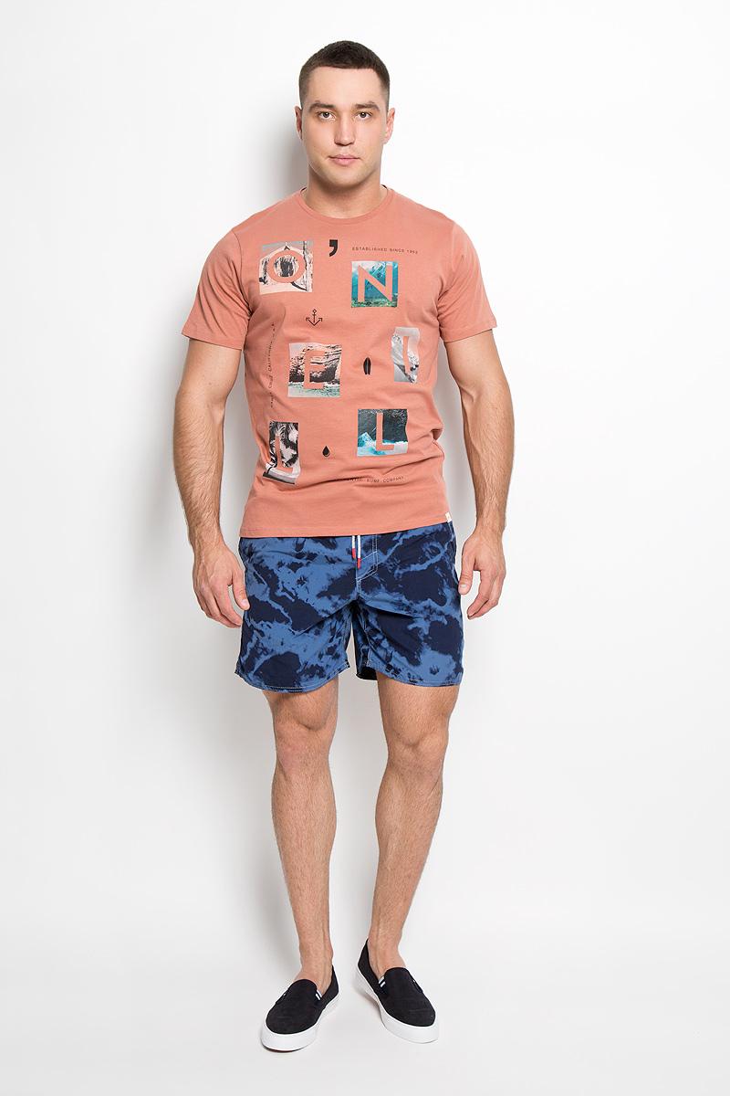 Футболка мужская ONeill, цвет: бледно-терракотовый. 602328-7086. Размер M (48)602328-7086Стильная мужская футболка ONeill, выполненная из высококачественного 100% хлопка, обладает высокой воздухопроницаемостью и гигроскопичностью, позволяет коже дышать. Такая футболка великолепно подойдет как для повседневной носки, так и для спортивных занятий.Модель с короткими рукавами и круглым вырезом горловины - идеальный вариант для создания модного современного образа. Футболка оформлена принтом с изображением букв на фоне красочных фотографий.Такая модель подарит вам комфорт в течение всего дня и послужит замечательным дополнением к вашему гардеробу.