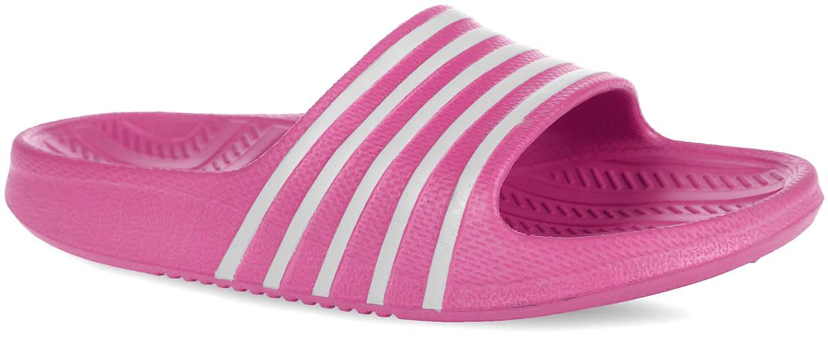 Шлепанцы для девочки Kapika, цвет: розовый. 83084. Размер 2983084Комфортные шлепанцы от Kapika придутся по душе вашей дочурке. Модель полностью выполнена из ЭВА материала и оформлена принтом в полоску. Материал ЭВА имеет пористую структуру, обладает великолепными теплоизоляционными и морозостойкими свойствами, 100% водонепроницаемостью, придает обуви амортизационные свойства, мягкость при ходьбе, устойчивость к истиранию подошвы. Рифление на верхней поверхности подошвы предотвращает выскальзывание ноги. Гибкая подошва дополнена рифлением, которое гарантирует идеальное сцепление с любыми поверхностями. Удобные шлепанцы прекрасно подойдут для похода в бассейн или на пляж.