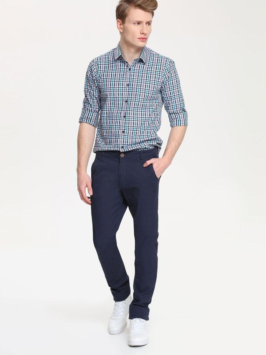 Брюки мужские Top Secret, цвет: темно-синий. SSP2154GR. Размер 34 (50)SSP2154GRСтильные мужские брюки Top Secret высочайшего качества выполнены из плотного хлопка с добавлением эластана. Модель-слим станет отличным дополнением к вашему современному образу. Изделие застегивается на пуговицу в поясе и ширинку-молнию, также имеются шлевки для ремня. Спереди брюки оформлены двумя втачными карманами и одним прорезным маленьким, а сзади - двумя прорезными карманами с застежками-пуговицами.