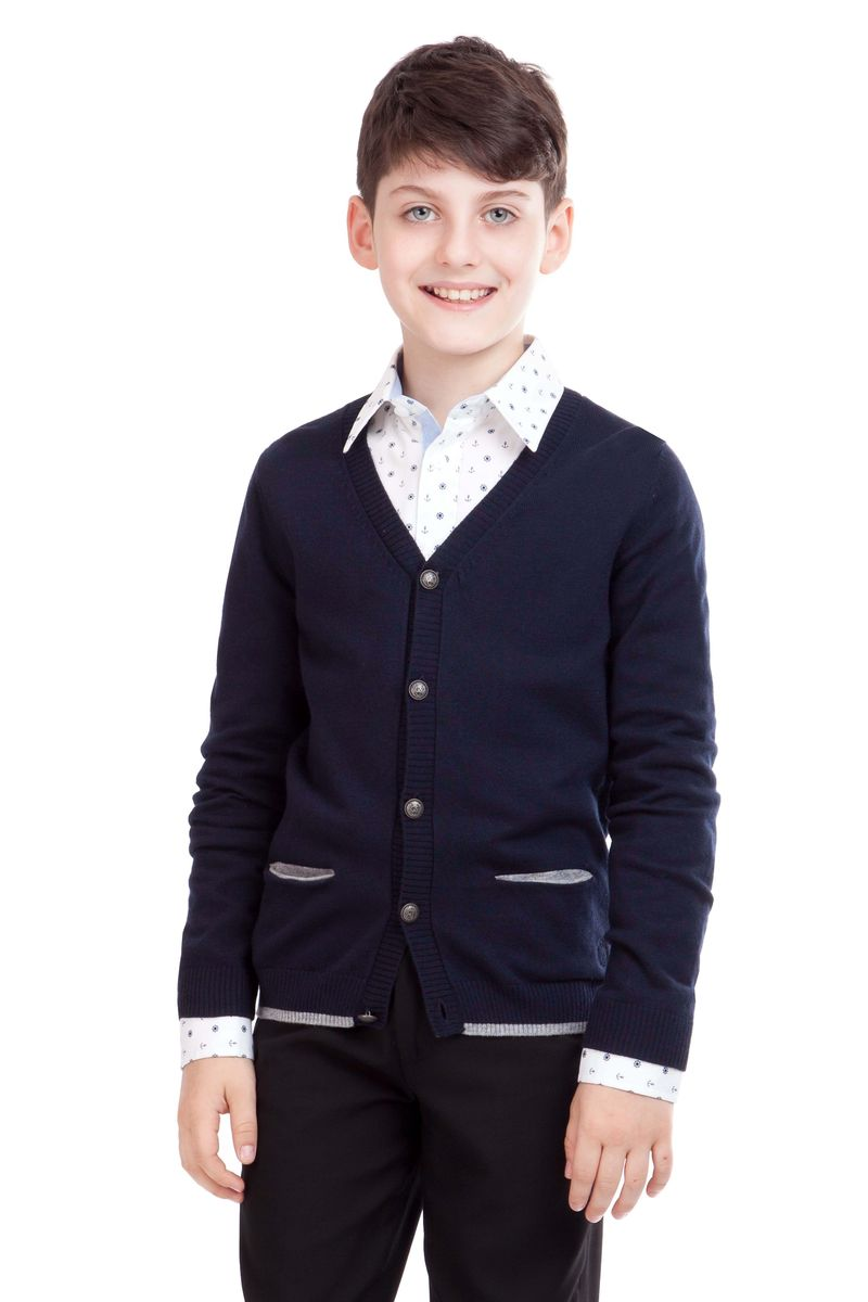 Кардиган для мальчика Gulliver, цвет: темно-синий. 21501BSC3602. Размер 164, 13/14 лет21501BSC3602Кардиган для школы выглядит очень интересно. Он дополнит любой комплект одежды для школы, придав ему завершенность. Сложный состав пряжи делает его очень мягким, приятным, комфортным в носке. Рукава украшают контрастные налокотники. В отделке пластрон из орнаментальной ткани и небольшая вышивка с монограммой GSC (Gulliver School Collection).