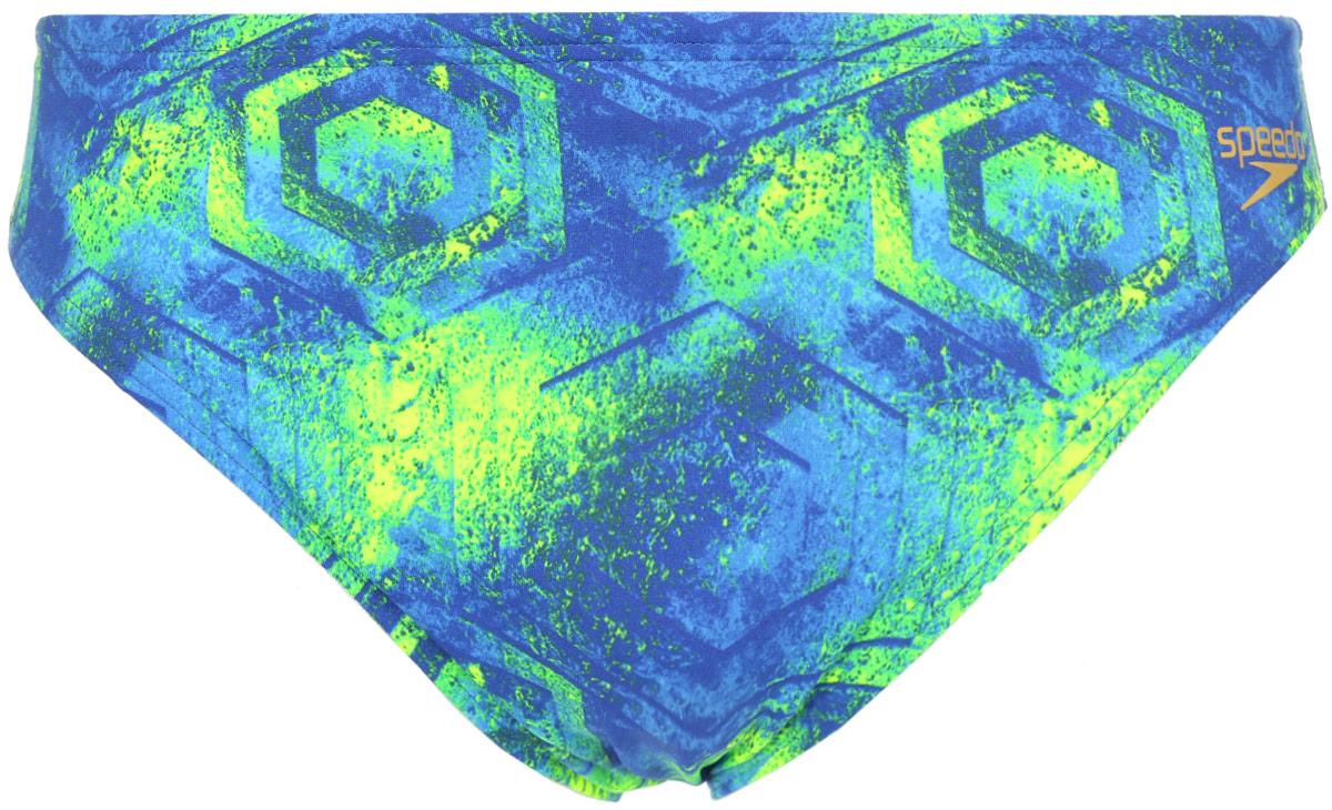 Плавки мужские Speedo Colourstorm Allover 5cm Brief, цвет: синий. 8-13073A827-A827. Размер 34 (44/46)8-13073A827-A827Яркие молодежные плавки от Speedo с абстрактным принтом. Выполнены из ткани Endurance+, которая не содержит в своем составе эластомеров, тем самым являясь на 100% устойчивой к разрушительному воздействию хлора.