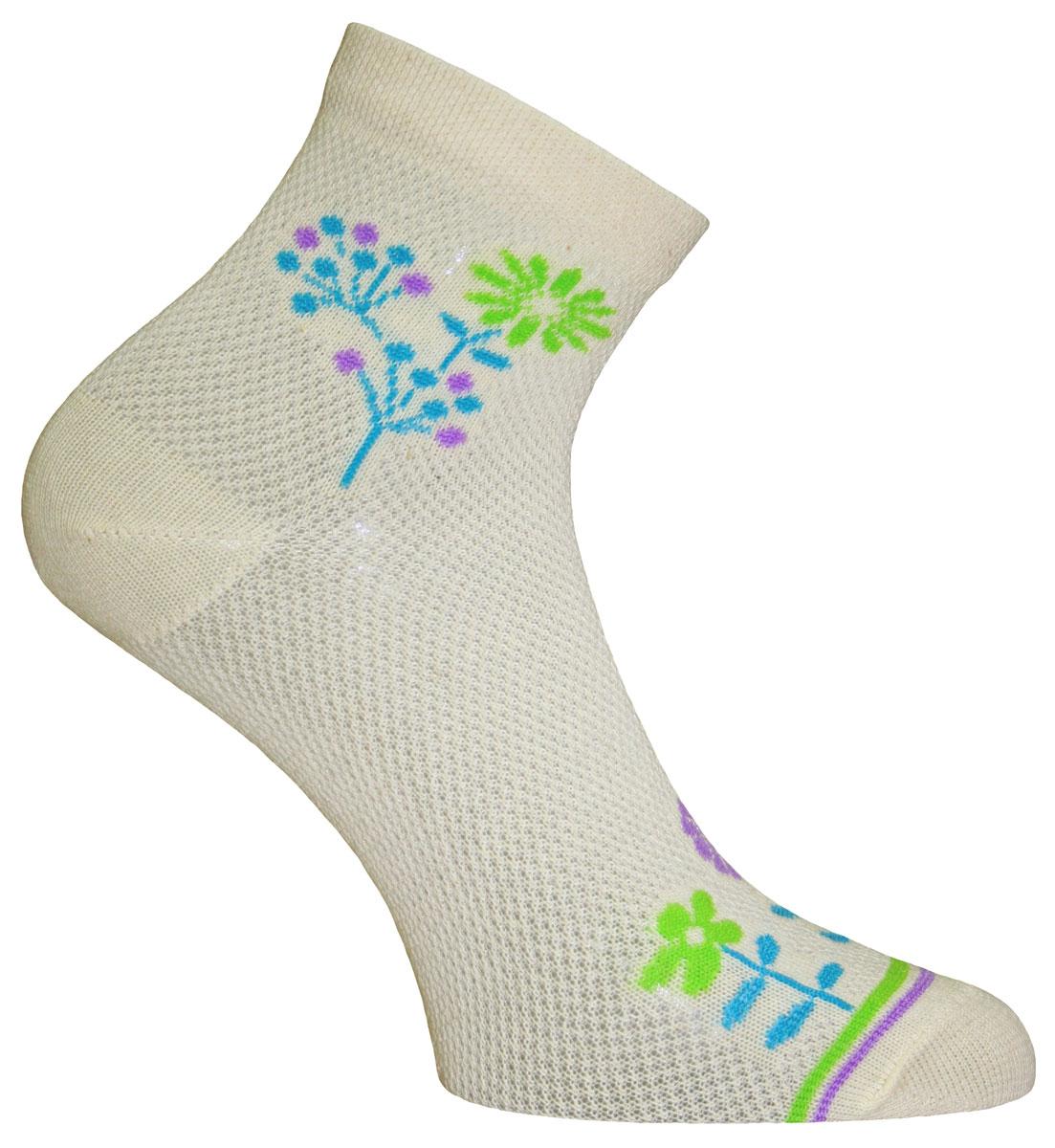 Носки женские Master Socks, цвет: бежевый, голубой. 55011. Размер 2555011Удобные носки Master Socks, изготовленные из высококачественного комбинированного материала, очень мягкие и приятные на ощупь, позволяют коже дышать. Эластичная резинка плотно облегает ногу, не сдавливая ее, обеспечивая комфорт и удобство. Носки с паголенком классической длины оформленыоригинальным принтом в нижней и верхней частях носка. Практичные и комфортные носки великолепно подойдут к любой вашей обуви.