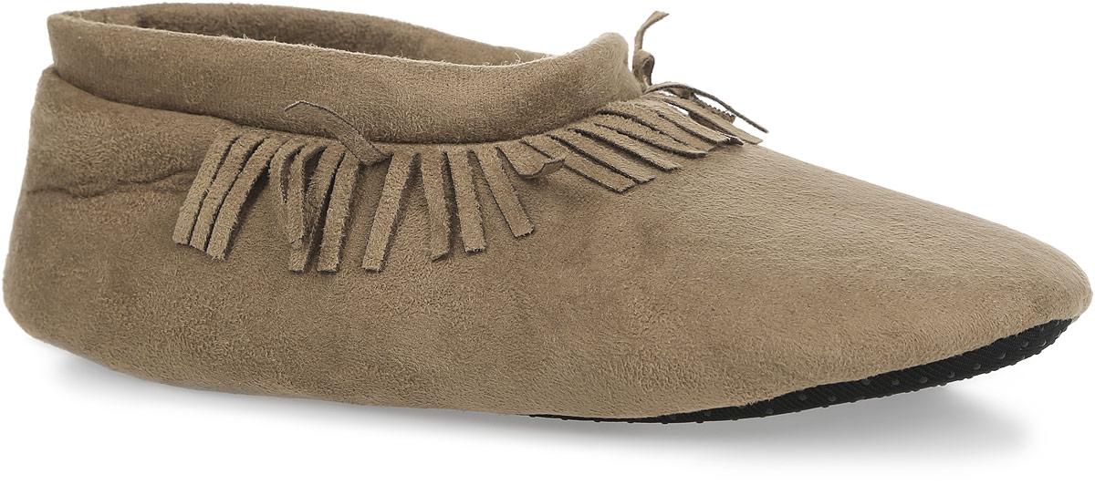 Тапки женские Isotoner, цвет: коричневый. 67145. Размер 39/4067145Прелестные женские тапки от Isotoner помогут отдохнуть вашим ножкам после трудового дня. Модель выполнена из полиэстера и оформлена в области подъема бахромой. Подкладка и стелька, изготовленные из текстиля, комфортны при ходьбе. Подошва выполнена из полиэстера с прорезиненными вставками, предотвращающими скольжение. Такие тапочки придутся вам по душе.