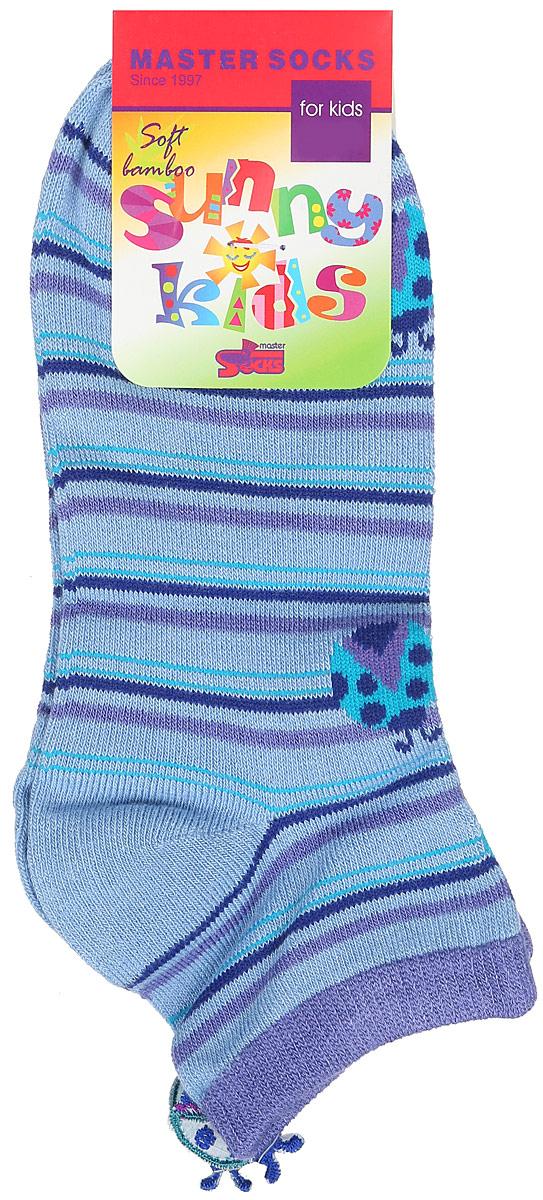 Носки для девочки Master Socks Sunny Kids, цвет: голубой. 82610. Размер 1682610Детские носки Master Socks Sunny Kids изготовлены из высококачественных материалов. Ткань очень мягкая и тактильно приятная. Содержание бамбука в составе обеспечивает высокую прочность, эластичность и воздухопроницаемость. Изделие хорошо стирается, длительное время сохраняет привлекательный внешний вид. Эластичная резинка мягко облегает ножку ребенка, обеспечивая удобство и комфорт. Укороченная модель оформлена принтом в полоску и изображением божьих коровок. Украшены носочки аппликацией в виде божьей коровки. Красивые и удобные носочки станут отличным дополнением к детскому гардеробу!Уважаемые клиенты!Размер, доступный для заказа, является длиной стопы.