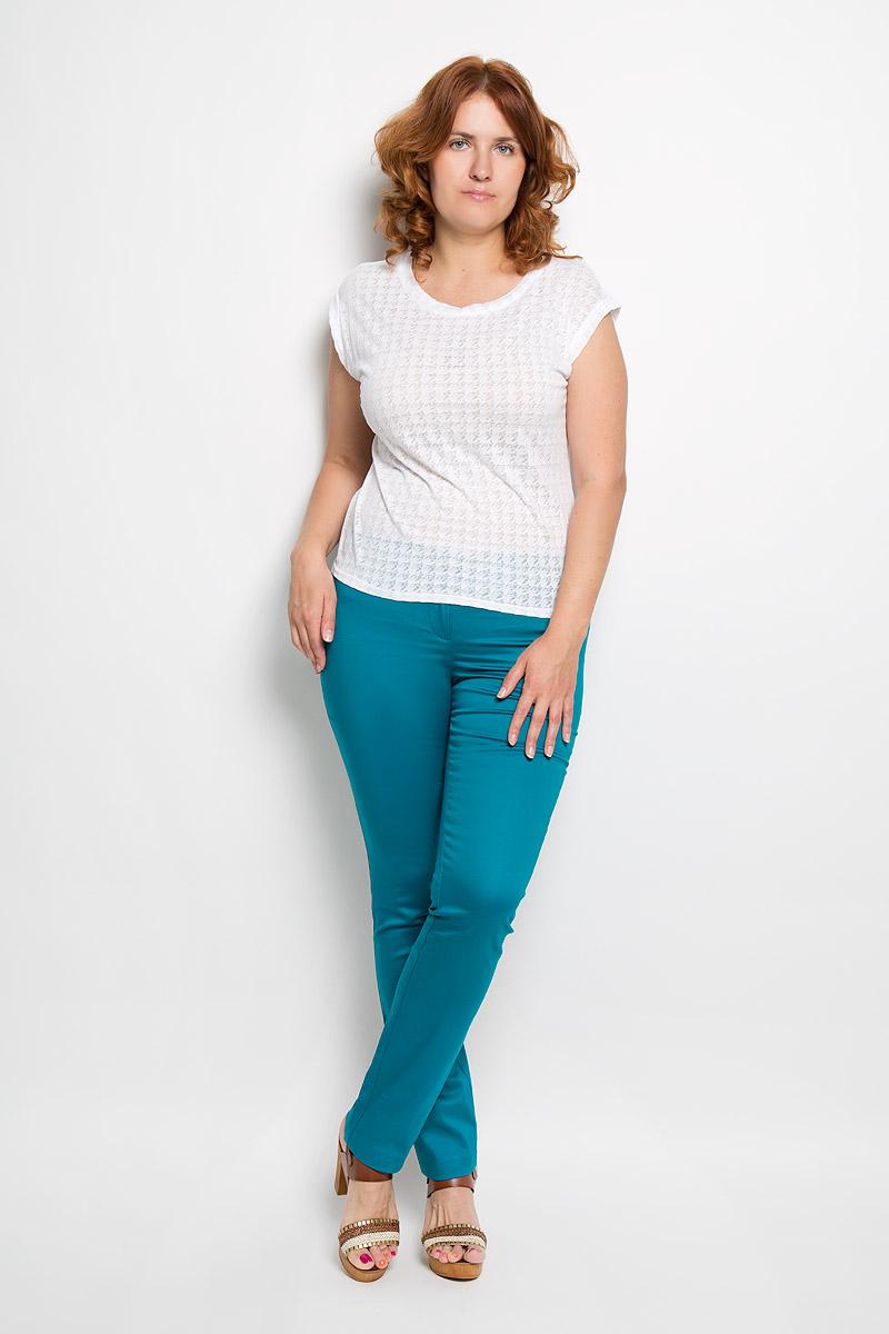 Брюки женские Milana Style, цвет: изумрудный. 40316. Размер XXL (52)40316Женские брюки Milana Style, выполненные из хлопка с добавлением полиамида, прекрасно дополнят ваш образ. Материал легкий, мягкий и приятный на ощупь, не сковывает движения, позволяет коже дышать.Брюки прямого кроя и стандартной посадки на поясе застегиваются на пуговицу и имеют ширинку на застежке-молнии.Такая модель брюк будет дарить вам комфорт в течение всего дня и станет отличным дополнением к вашему гардеробу.