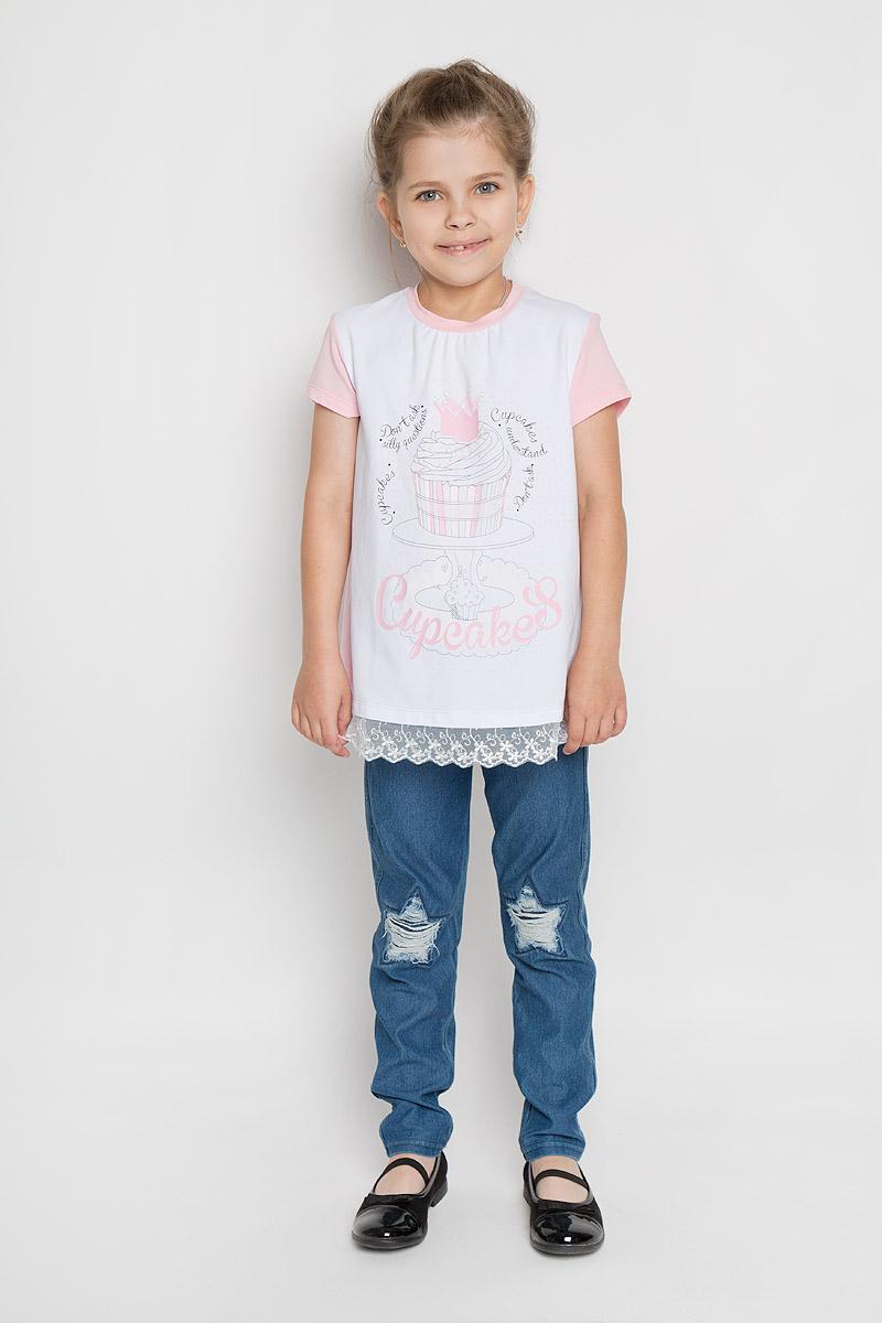 Туника для девочки Silver Spoon Casual, цвет: розовый, белый. SCFSG-618-25103-411 мод.F6-001. Размер 98SCFSG-618-25103-411 мод.F6-001Очаровательная туника для девочки Silver Spoon Casual идеально подойдет вашей маленькой принцессе. Изготовленная из хлопка с добавлением эластана, она необычайно мягкая и приятная на ощупь, не сковывает движения малышки и позволяет коже дышать, не раздражает даже самую нежную и чувствительную кожу ребенка, обеспечивая ему наибольший комфорт. Туника трапециевидного кроя с короткими рукавами и круглым вырезом горловины оформлена ярким рисунком в виде кекса и надписями на английском языке. Низ модели дополнен кружевом.Оригинальный современный дизайн и модная расцветка делают эту тунику модным и стильным предметом детского гардероба. В ней ваша малышка будет чувствовать себя уютно и комфортно, и всегда будет в центре внимания!