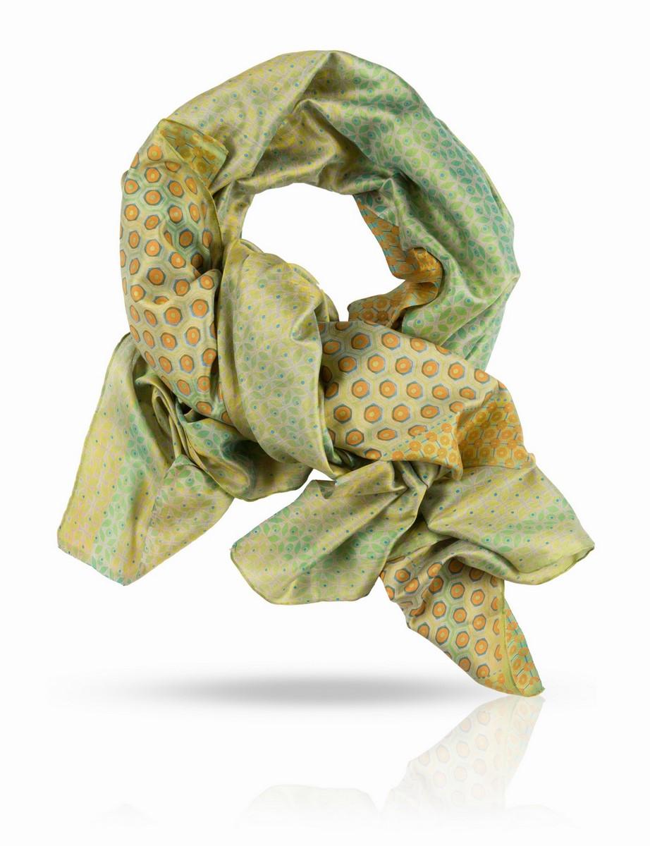 Палантин Michel Katana, цвет: желтый, зеленый, синий. SN-SMALL.FLORE/TURQU. Размер 100 x 190 смSN-SMALL.FLORE/TURQUПалантин выполнен из 100% натурального шелка ручного плетения. Краски жизни, краски лета - свежие, но не кричащие. Этот палантин Michel Katana поистине универсален и будет верно служить вам в любое время года. С шубой или пальто, с плащом и легкой паркой, с блузкой и футболкой и даже с купальником - если вы решите использовать его как парео. Используйте эту роскошь на полную катушку!