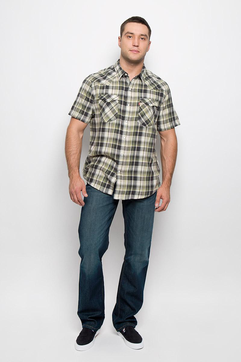 Рубашка мужская Levis®, цвет: темно-зеленый, светло-зеленый, бежевый. 2197800090. Размер M (46)2197800090Мужская рубашка Levis® в стиле Western прекрасно подойдет для повседневной носки. Изделие выполнено из натурального хлопка, необычайно мягкое и приятное на ощупь, не сковывает движения и хорошо пропускает воздух. Рубашка с отложным воротником и короткими рукавами застегивается спереди на кнопки и одну пуговицу. Модель отличается оригинальными ковбойскими элементами дизайна на передней и задней кокетках, оснащена нагрудными карманами с клапанами на кнопках. Изделие оформлено принтом в клетку. Такая рубашка будет дарить вам комфорт в течение всего дня и станет стильным дополнением к вашему гардеробу.