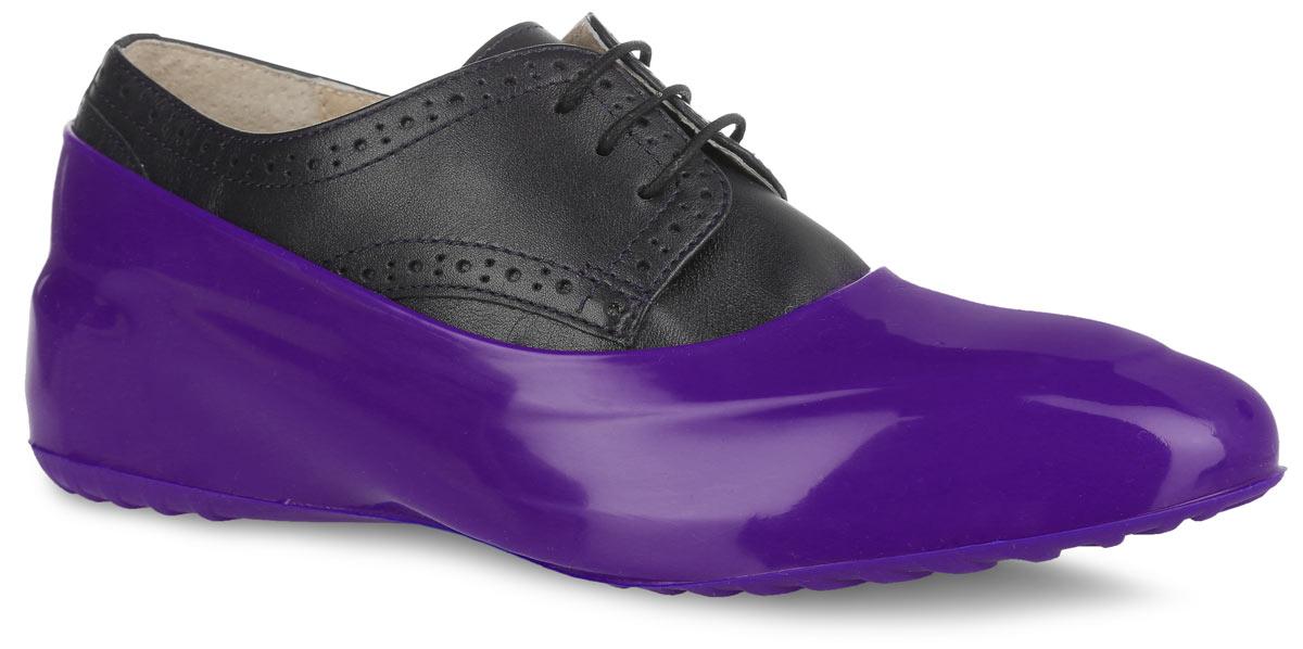 Галоши на обувь женские Мир Галош, цвет: фиалковый. WFF. Размер 39/40WFFСтильные женские галоши предназначены для защиты обуви без каблука. Модель выполнена из силикона с добавлением резины. Галоши легко надеваются на обувь и принимают ее форму. Они защищают обувь от влаги, грязи, снега, соли и песка. Также галоши оберегают заднюю часть обуви от повреждения при нажатии на педали автомобиля. Галоши легко моются и быстро сохнут. Рифление на подошве обеспечивает отличное сцепление с любой поверхностью. Модные галоши не только защитят вашу обувь, они помогут изменить ее внешний вид, сделав его более эффектным.
