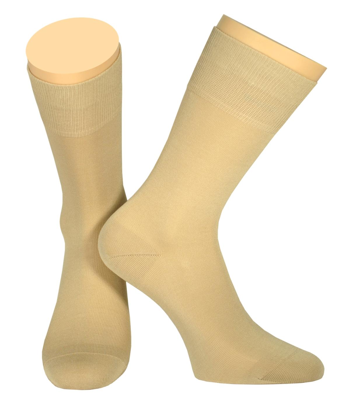 Носки мужские Collonil, цвет: бежевый. 141/04. Размер 44-46141/04Мужские носки Collonil изготовлены из мерсеризованного хлопка.Носки с удлиненным паголенком. Широкая резинка не сдавливает и комфортно облегает ногу.