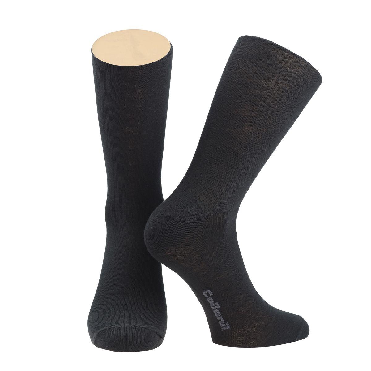 Носки мужские Collonil, цвет: черный. CE3-44/01. Размер 39-42CE3-44/01Носки Collonil изготовлены из натурального хлопка с добавлением шерсти и эластана, удобных и приятных при носке. Эластичная резинка плотно облегает ногу, не сдавливая ее, обеспечивая комфорт и удобство.