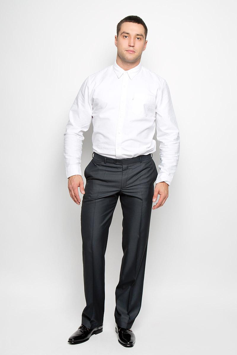 Брюки мужские BTC Modern, цвет: темно-серый. 12.013422. Размер 48-18812.013422Мужские брюки BTC Modern, выполненные из полиэстера с добавлением вискозы, займут достойное место в вашем гардеробе. Ткань изделия мягкая, тактильно приятная, хорошо пропускает воздух. Брюки классического кроя застегиваются на пуговицу и крючок в поясе и имеют ширинку на застежке-молнии. На брюках предусмотрены шлевки для ремня. Спереди модель дополнена двумя втачными карманами, а сзади - одним прорезным карманом на пуговице. Высокое качество кроя и пошива, актуальный дизайн придают изделию неповторимый стиль и индивидуальность. Брюки станут стильным дополнением к вашему образу!