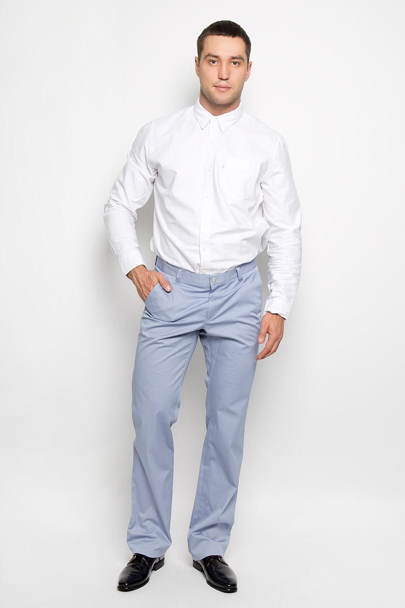Брюки мужские BTC, цвет: серо-голубой. 12.013831. Размер 48-17012.013831Мужские брюки BTC, выполненные из эластичного хлопка, отлично дополнят ваш образ. Ткань изделия мягкая, тактильно приятная, позволяет коже дышать.Брюки прямого кроя застегиваются на пуговицу в поясе и имеют ширинку на застежке-молнии. На брюках предусмотрены шлевки для ремня. Спереди модель дополнена двумя втачными карманами со скошенными краями, а сзади - прорезным карманом на пуговице. Высокое качество кроя и пошива, актуальный дизайн и расцветка придают изделию неповторимый стиль и индивидуальность. Модель займет достойное место в вашем гардеробе!