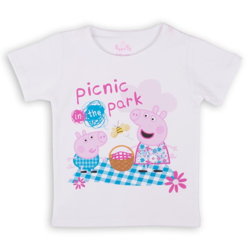 Футболка для девочки Free Age Peppa Pig, цвет: белый. ZG 02488-W1. Размер 98, 3-4 годаZG 02488-W1Удобная и комфортная в носке футболка с коротким рукавом с изображением мультипликационного героя Свинки Пеппы станет отличным дополнением к повседневному гардеробу девочки.