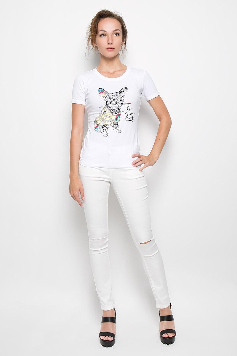 Футболка женская Finn Flare, цвет: белый. S16-32033_201. Размер M (46)S16-32033_201Стильная женская футболка Finn Flare, выполненная из высококачественного эластичного хлопка, обладает высокой теплопроводностью, воздухопроницаемостью и гигроскопичностью, позволяет коже дышать.Модель с короткими рукавами и круглым вырезом - идеальный вариант для создания образа в стиле Casual. Футболка оформлена оригинальным принтом спереди. Рукава дополнены декоративными отворотами. Горловина оформлена эффектом не заделанного края. Такая модель подарит вам комфорт в течение всего дня и послужит замечательным дополнением к вашему гардеробу.