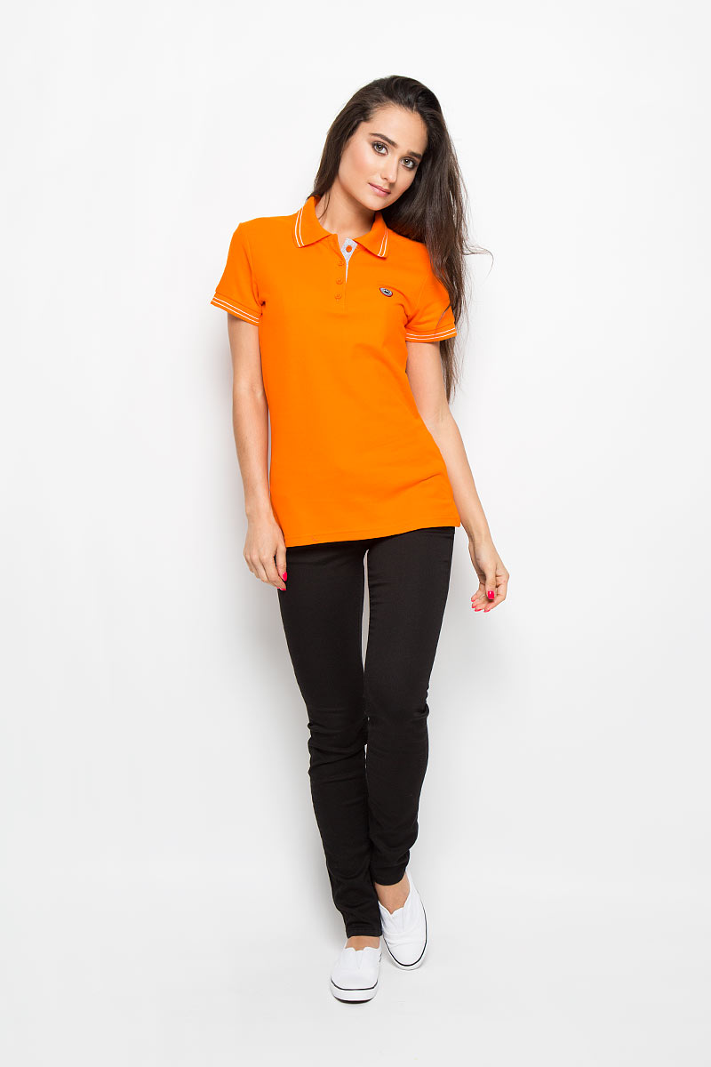 Поло женское F5, цвет: оранжевый. 160108. Размер L (48)160108Стильная женская футболка-поло F5 с короткими рукавами, изготовленная из натурального хлопка, необычайно мягкая и приятная на ощупь, не сковывает движения, обеспечивая наибольший комфорт. Модель прямого кроя с отложным воротником-поло и застежкой на четыре пуговицы. Воротник и нижняя часть рукавов выполнены из трикотажного материала. В боковых швах обработаны разрезы. На груди изделие оформлено вышитым логотипом. Футболка-поло - отличный вариант для создания образа в стиле Casual.