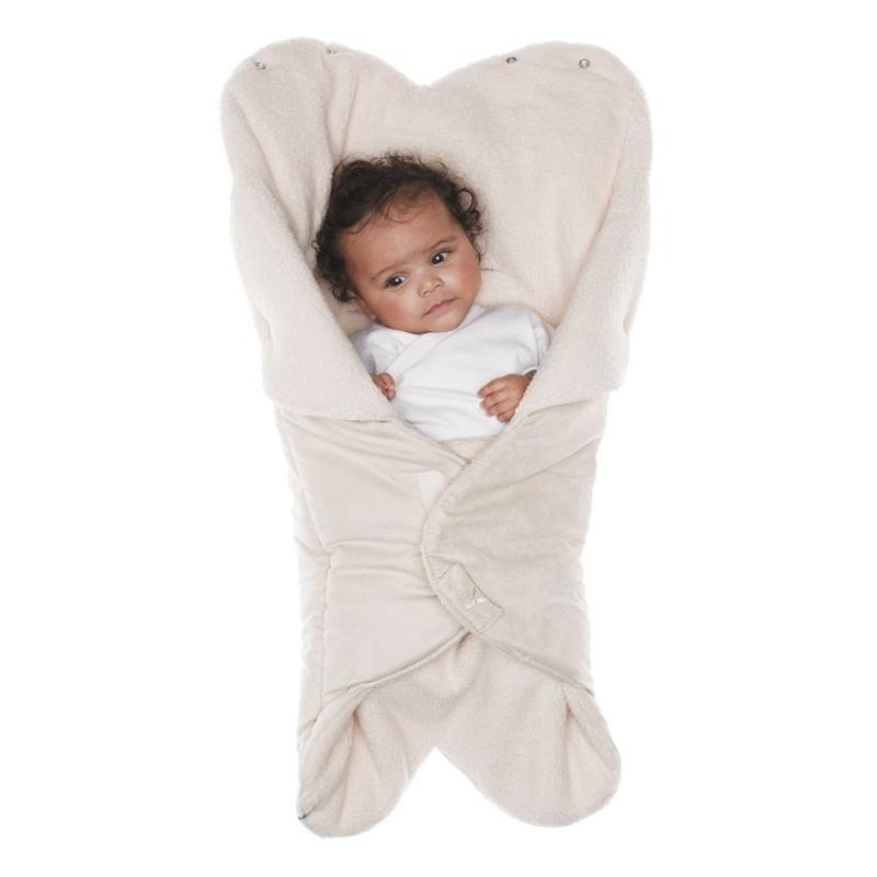 Конверт-лепесток для новорожденного Wallaboo, цвет: молочный. WW.0809.1107. Размер 0месWW.0809.1107Конверт-лепесток для новорожденного Wallaboo выполнен из высококачественной искусственной замши иимеет подкладку из искусственного меха на основе полиэстера. Наполнитель - синтепон. Он подойдет для малышей с самого рождения. Конверт легко раскладывается, благодаря чему его можно использовать в качестве одеяла или даже коврика для игр.Верхняя часть конверта бережно обхватывает голову малыша и надежно сохраняет тепло. В нижней части конверта располагается кармашек для ног. Липучки и кнопки позволяют быстро зафиксировать конверт и обеспечивают надежное облегание, которое не ограничивает движения малыша и подарит ему чувство комфорта и защищенности. Такой конверт подойдет для большинства колясок и детских сидений.