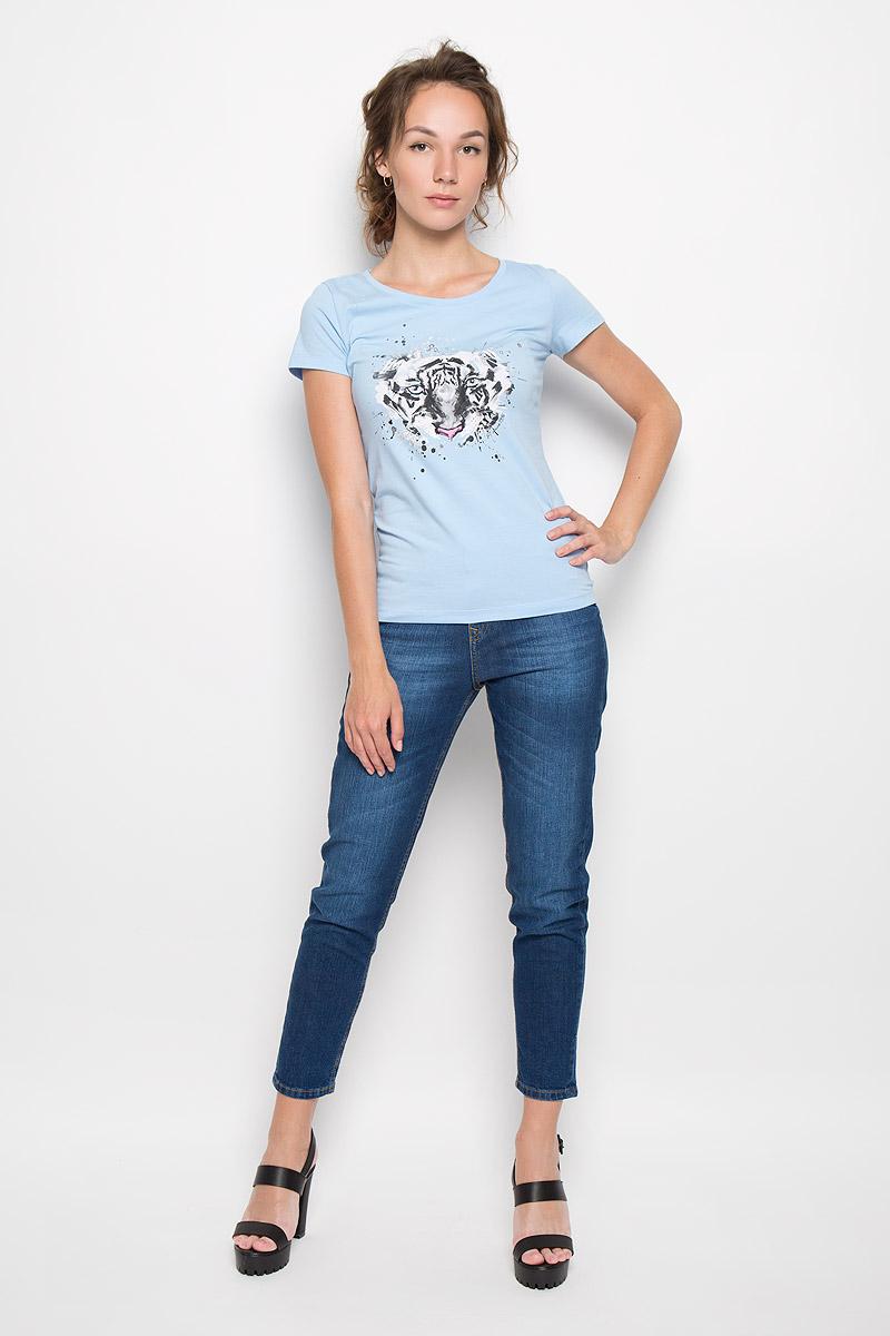 Футболка женская F5 Tiger, цвет: голубой. 160097_12380. Размер L (48)160097_12380_light blueСтильная женская футболка F5 Tiger, выполненная из эластичного хлопка, обладает высокой теплопроводностью, воздухопроницаемостью и гигроскопичностью, позволяет коже дышать. Модель с короткими рукавами и круглым вырезом горловины - идеальный вариант для создания стильного современного образа. Футболка украшена крупным принтом с изображением морды тигра.Такая модель подарит вам комфорт в течение всего дня и послужит замечательным дополнением к вашему гардеробу.