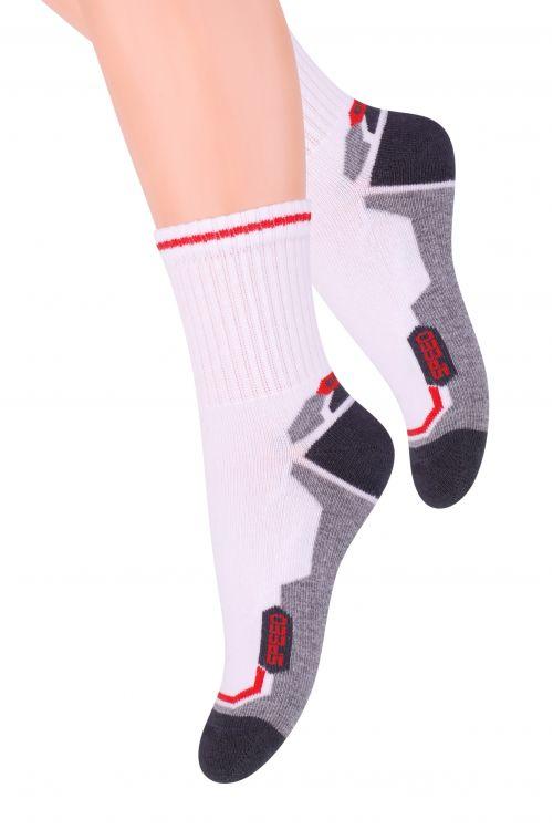 Носки для мальчика Steven, цвет: белый, темно-серый, красный. 014 (CG167). Размер 32/34, 7-9 лет014 (CG167)Хлопковые носки для мальчика Steven отлично подойдут для повседневной носки.Они изготовлены из высококачественного материала, очень мягкие на ощупь, не раздражают даже самую нежную и чувствительную кожу. Такие носки послужат замечательным дополнением к детскому гардеробу!