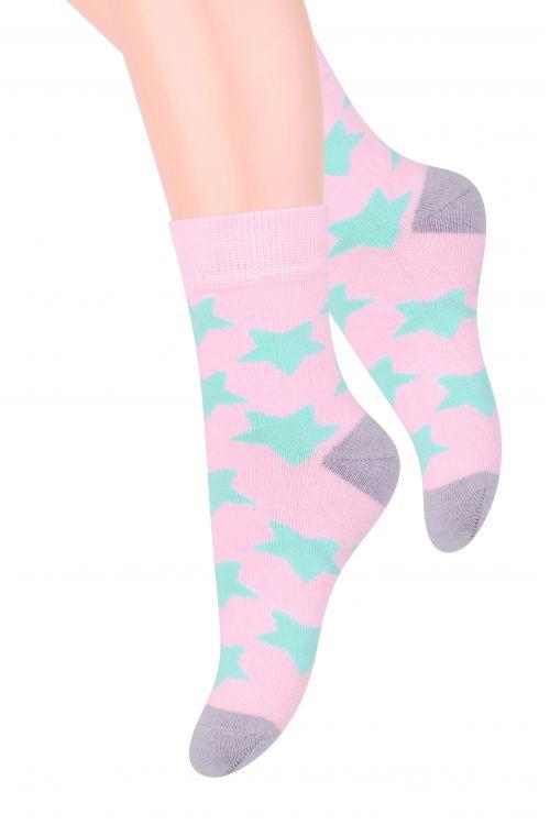 Носки для девочки Steven, цвет: ярко-розовый, мятный. 014 (DO208). Размер 32/34, 7-9 лет014 (DO208)/014 (DM208)Хлопковые носки для девочки Stevenотлично подойдут для повседневной носки.Изделие оформлено рисунком в виде звездочек, по всему паголенку и мысу.Они изготовлены из высококачественного материала, очень мягкие на ощупь, не раздражают даже самую нежную и чувствительную кожу. Такие носки послужат замечательным дополнением к детскому гардеробу!