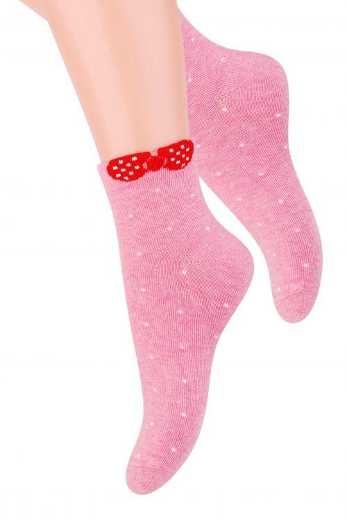 Носки для девочки Steven, цвет: розовый. 004 (RF82). Размер 29/31, 5-7 лет004 (RF82)/004 (RG82)/004 (RE82)Удобные носочки для девочки Steven, изготовленные из высококачественного комбинированного материала, очень мягкие и приятные на ощупь, позволяют коже дышать. Эластичная резинка плотно облегает ножку, не сдавливая ее, обеспечивая комфорт и удобство. Носки с укороченным паголенком оформлены принтом в горох и дополнены оригинальным бантиком в верхней части носка. Красивые и удобные носочки станут отличным дополнением к детскому гардеробу!Уважаемые клиенты!Размер, доступный для заказа, является длиной стопы.