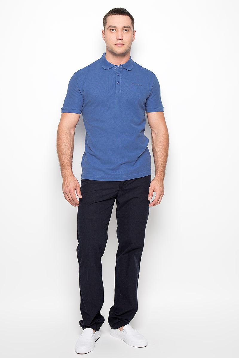 Поло мужское Finn Flare, цвет: синий. S16-21028_116. Размер XL (52)S16-21028Мужская футболка-поло Finn Flare, изготовленная из натурального хлопка, обладает высокой теплопроводностью, воздухопроницаемостью и гигроскопичностью, позволяет коже дышать.Модель с короткими рукавами и отложным воротником - идеальный вариант для создания оригинального современного образа. Сверху футболка-поло застегивается на 3 пуговицы. Низ рукавов и воротник модели выполнены резинкой. На груди изделие оформлено термоаппликацией в виде названия бренда.Такая модель подарит вам комфорт в течение всего дня и послужит замечательным дополнением к вашему гардеробу.