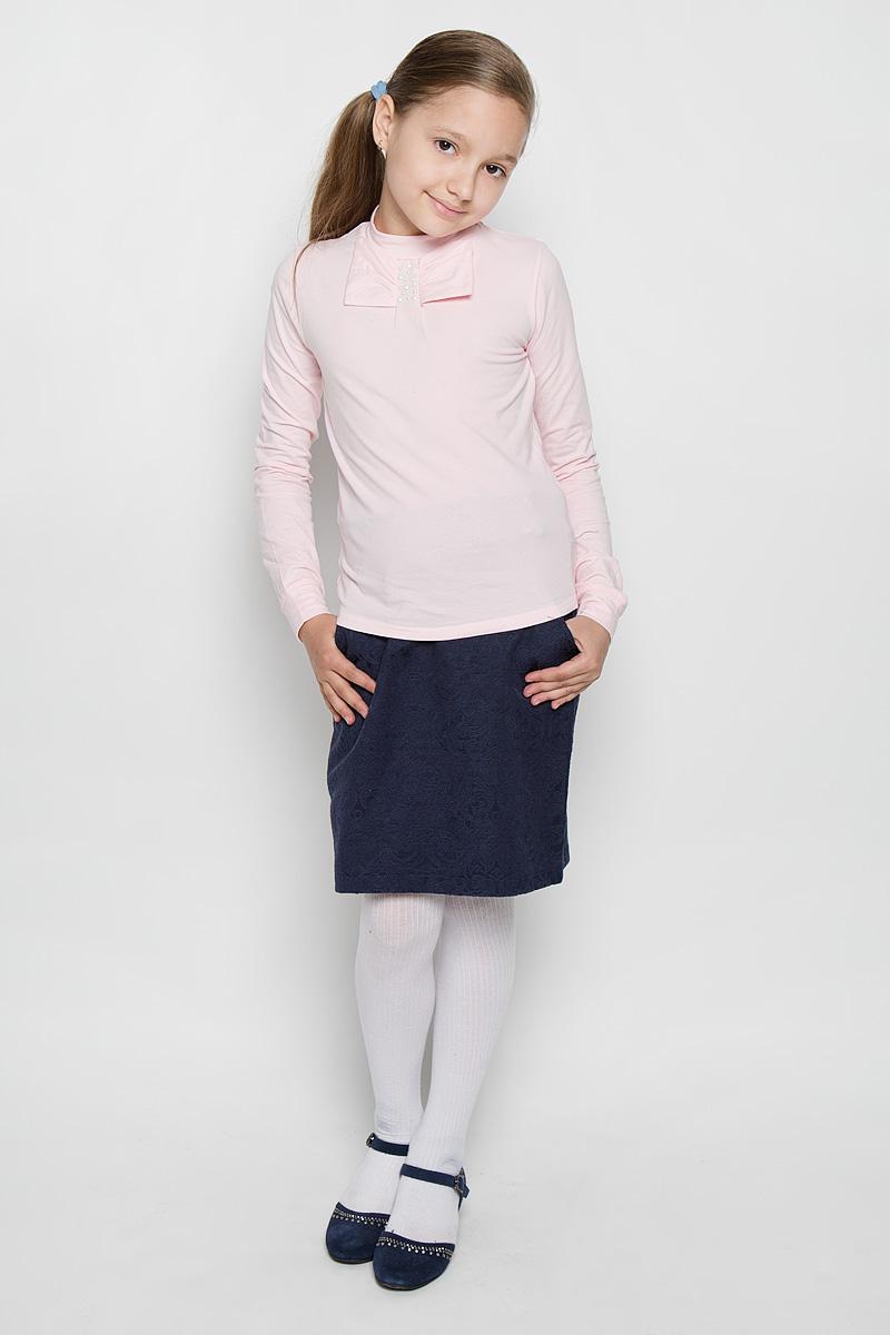 Блузка для девочки Nota Bene, цвет: розовый. AW15GS273A-5. Размер 128AW15GS273A-5Стильная блузка для девочки Nota Bene, выполненная из мягкого эластичного хлопка, станет отличным дополнением к детскому гардеробу. Благодаря составу, изделие тактильно приятное, не сковывает движений, позволяет коже дышать. Блузка с воротником-стойкой и длинными рукавами дополнена спереди бантом. На рукавах предусмотрены мягкие манжеты. Украшена модель декоративными металлическими клепками.Оригинальный дизайн и высокое качество исполнения принесут удовольствие от покупки и подарят отличное настроение!