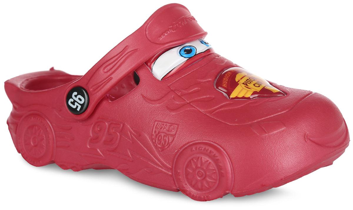 Сабо для мальчика Mursu Cars, цвет: красный. CA000010. Размер 26CA000010Модные сабо Cars от Mursu придутся по душе вашему мальчику. Модель полностью изготовлена из материала ЭВА, благодаря которому обувь невероятно легкая и удобная, она легко моется и быстро сохнет. Модель имитирует героя мультфильма Тачки - гоночную машину Молнию Маккуин. Отверстия по бокам обеспечивают естественную вентиляцию. Стелька с рельефной поверхностью обеспечивает стимуляцию кровообращения и дополнительный комфорт. Пяточный ремешок предназначен для фиксации стопы при ходьбе. Рифление на подошве гарантирует идеальное сцепление с любой поверхностью. Такие сабо - отличное решение для каждодневного использования!