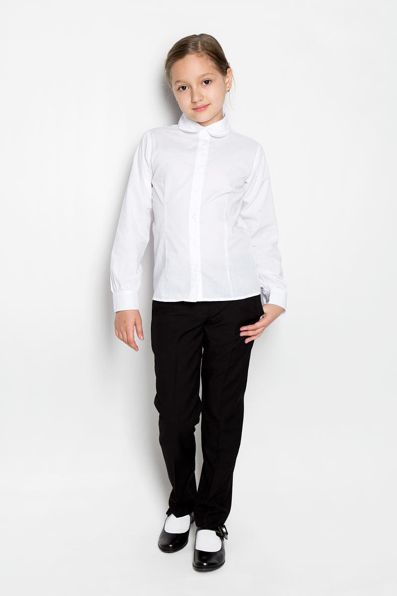 Блузка для девочки Scool, цвет: белый. 364040. Размер 146, 11 лет364040Блузка для девочки Scool изготовлена из хлопка с добавлением полиэстера. Изделие не сковывает движения и хорошо пропускает воздух, обеспечивая наибольший комфорт. Блузка с отложным воротником и длинными рукавами застегивается на пуговицы по всей длине. На рукавах предусмотрены манжеты с застежками-пуговицами. Блузка станет стильным дополнением к школьному гардеробу. Модель отлично сочетается с юбками и брюками.