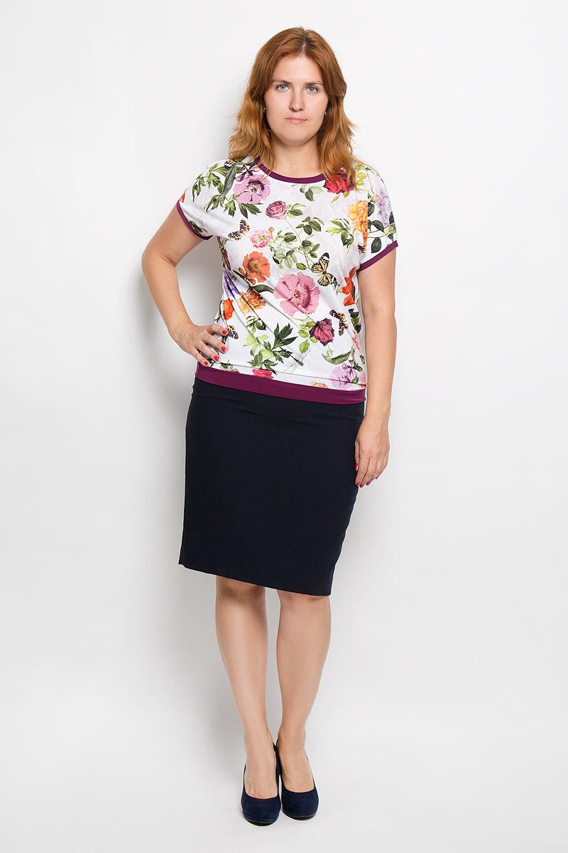 Блузка женская Milana Style, цвет: белый, фиолетовый, зеленый. 924м. Размер XXXXL (56)924мЖенская блузка Milana Style займет достойное место в вашем гардеробе. Модель выполнена из полиэстера с добавлением вискозы и лайкры. Материал мягкий, тактильно приятный, не сковывает движения и хорошо вентилируется.Блузка с круглым вырезом горловины и короткими рукавами оформлена цветочным принтом. Вырез горловины, края рукавов и низ изделия дополнены вставками контрастного цвета.Замечательная женская блузка Milana Style подчеркнет ваш уникальный стиль и поможет создать оригинальный женственный образ!