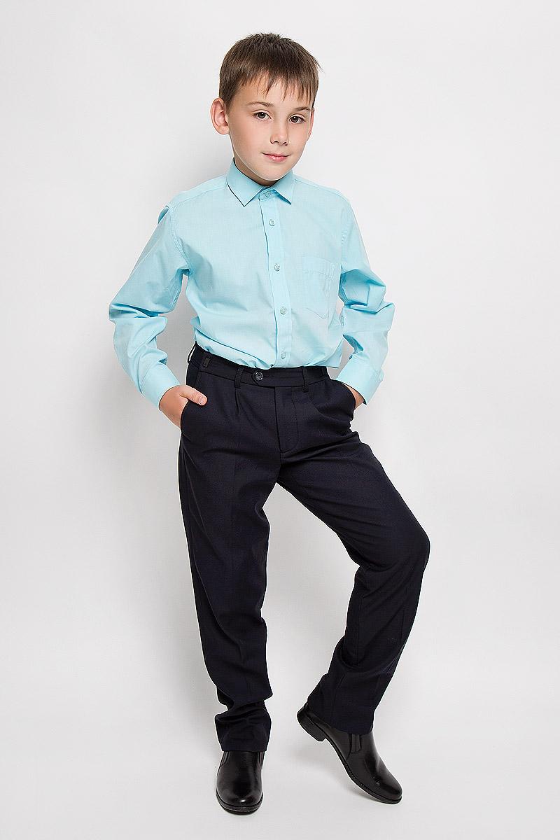 Рубашка для мальчика Tsarevich, цвет: голубой. Aquarius. Размер 31/128-134, 7-8 летAquariusСтильная рубашка для мальчика Tsarevich идеально подойдет вашему юному мужчине. Изготовленная из хлопка с добавлением полиэстера, она мягкая и приятная на ощупь, не сковывает движения и позволяет коже дышать, не раздражает даже самую нежную и чувствительную кожу ребенка, обеспечивая ему наибольший комфорт. Однотонная рубашка классического кроя с длинными рукавами и отложным воротничком застегивается по всей длине на пуговицы. На груди она дополнена накладным карманом. Края рукавов дополнены широкими манжетами на пуговицах. Низ изделия немного закруглен к боковым швам.Такая рубашка будет прекрасно смотреться с брюками и джинсами. Она станет неотъемлемой частью детского гардероба.