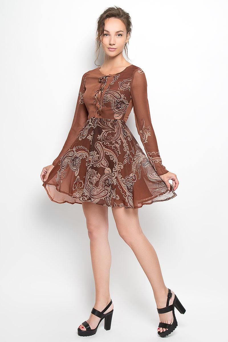 Платье Glamorous, цвет: коричневый. CK2216A. Размер M (46)CK2216A_RUST PAISLEYПлатье Glamorous, выполненное из полупрозрачного материала, подчеркнет все достоинства женской фигуры в наиболее выгодном свете. Верх платья и подкладка изготовлены из полиэстера. Материал очень легкий, мягкий и приятный на ощупь, не сковывает движения и хорошо вентилируется.Модель с круглым вырезом горловины и длинными рукавами застегивается сбоку на скрытую молнию. Спереди платье имеет шнуровку от горловины до линии талии. Оформлено изделие принтом с узорами. Это яркое платье станет модным и стильным дополнением к вашему гардеробу!