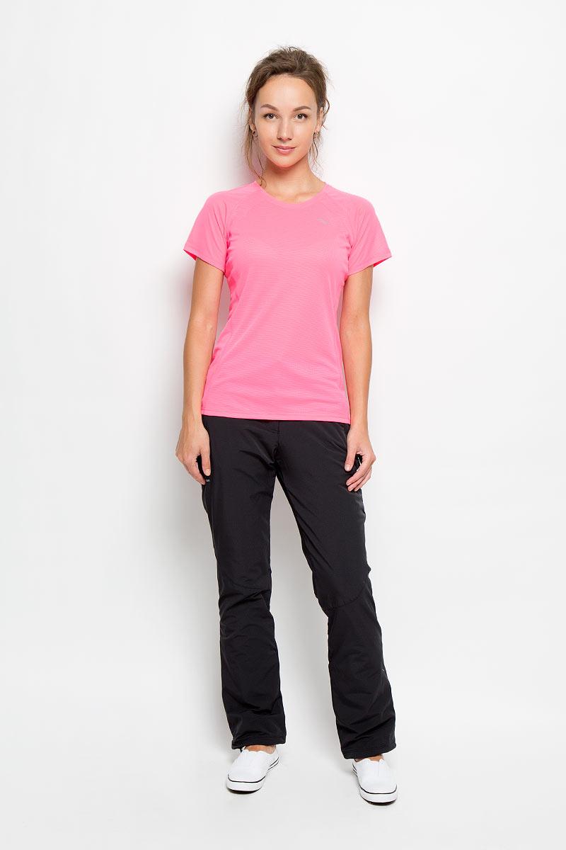 Футболка для бега женская Saucony Hydralite Ss, цвет: ярко-розовый. SA81538-VPP. Размер S (44/46)SA81538-VPPЖенская футболка Saucony Hydralite Ss, выполненная из 100% полиэстера, предназначена специально для бега. Эта легкая беговая футболка с круглым вырезом горловины и короткими рукавами-реглан обеспечит вам безупречный комфорт и достижение высоких спортивных результатов благодаря мягкой, эластичной ткани, которая отводит влагу и поддерживает тело сухим. Плоские швы не натирают кожу и обеспечивают полный комфорт. Футболка декорирована светоотражающей полоской на груди и названием бренда на спинке, благодаря этому вы будете заметнее в темноте. Максимальный комфорт и уникальный спортивный образ!