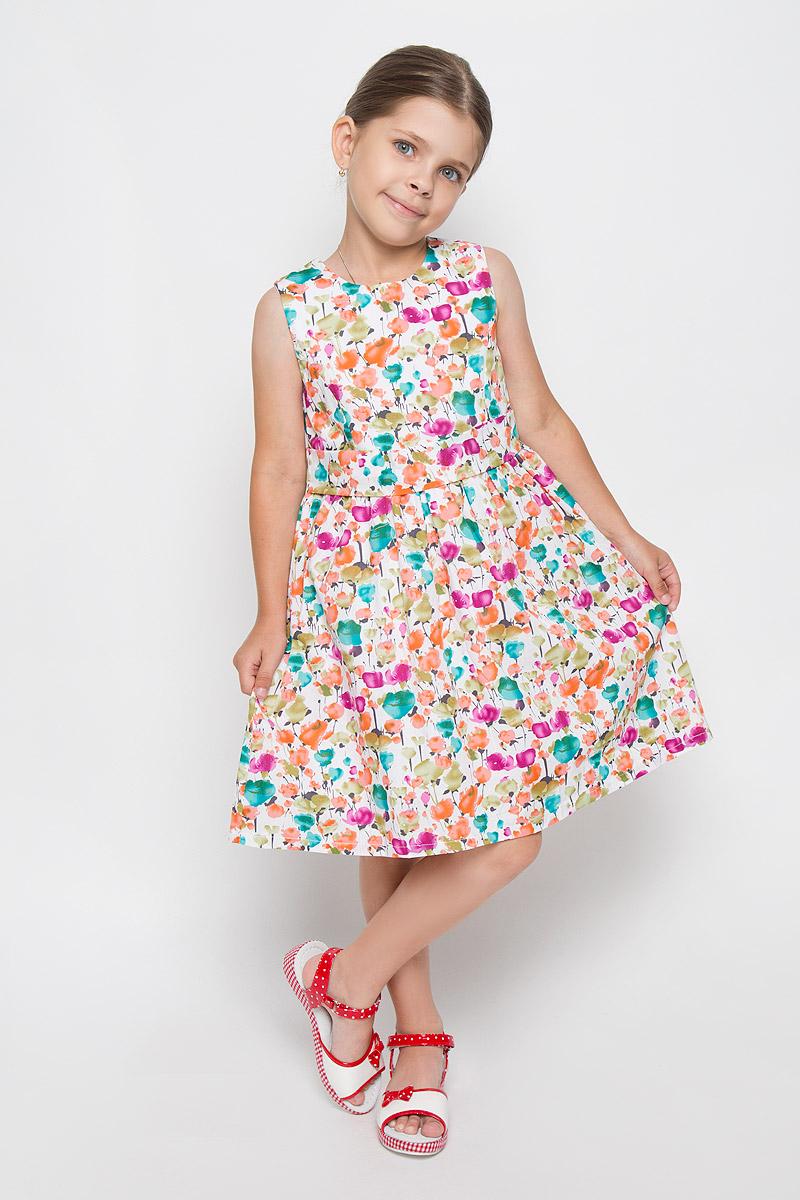Платье для девочки M&D, цвет: белый, мультиколор. SSP1617-1. Размер 98SSP1617-1Очаровательное платье для девочки M&D идеально подойдет вашей маленькой моднице. Платье на подкладке изготовлено из натурального хлопка, легкое, приятное к телу, не сковывает движения и позволяет коже дышать.Платье с круглым вырезом горловины застегивается по спинке на скрытую молнию, что помогает при переодевании ребенка. От линии талии заложены складочки, придающие изделию пышность и воздушность. На талии платье дополнено вшитым поясом. Изделие оформлено красочным принтом.В таком платье ваша маленькая принцесса будет чувствовать себя комфортно, уютно и всегда будет в центре внимания!