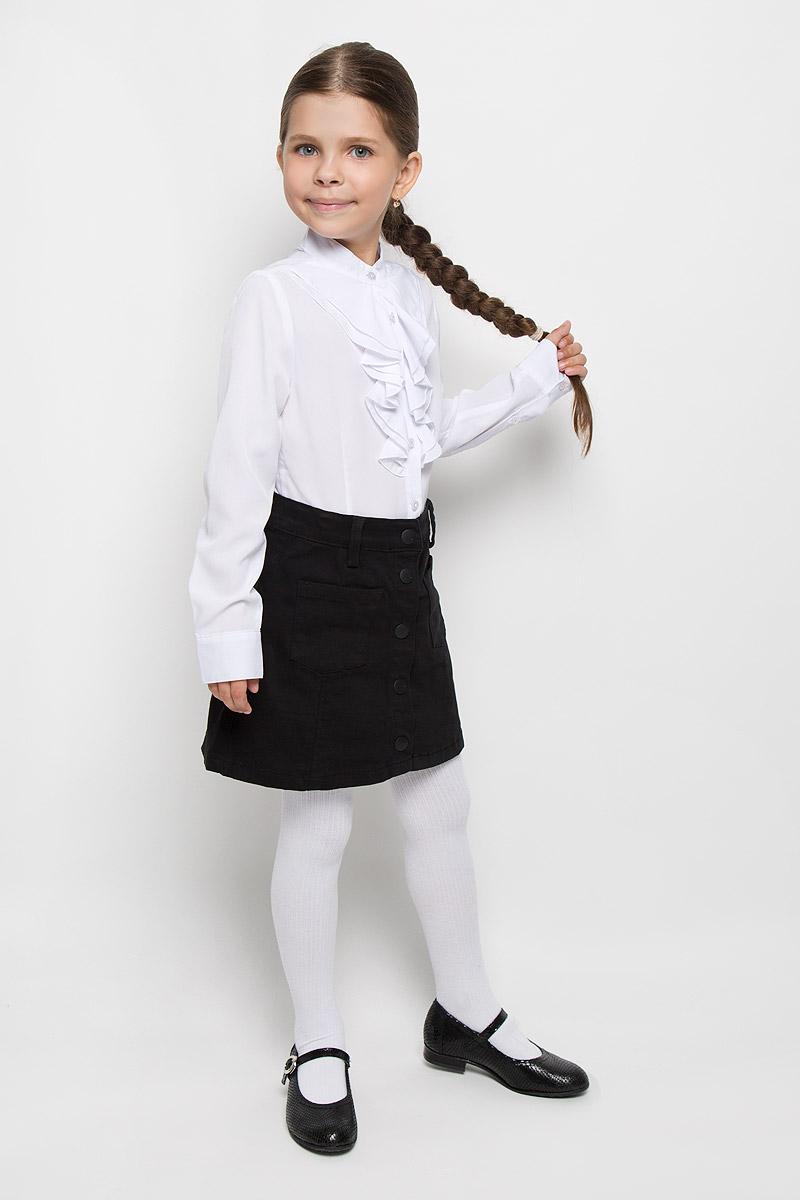 Блузка для девочки Orby School, цвет: белый. 64146_OLG, вар.1. Размер 122, 7-8 лет64146_OLG, вар.1Элегантная блузка для девочки Orby School идеально подойдет для школы. Изготовленная из полиэстера с добавлением вискозы и эластана, она необычайно мягкая, легкая и приятная на ощупь, не сковывает движения и позволяет коже дышать, не раздражает даже самую нежную и чувствительную кожу ребенка, обеспечивая наибольший комфорт.Блузка с воротником-стойкой и длинными рукавами застегивается на пуговицы по всей длине. Низ рукавов дополнен широкими манжетами. Модель спереди оформлена жабо.Такая блузка - незаменимая вещь для школьной формы, отлично сочетается с юбками, брюками и сарафанами. Эта модель всегда выглядит великолепно!