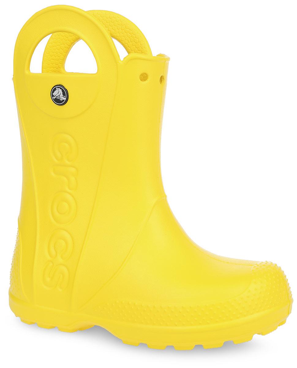 Сапоги резиновые детские Crocs Handle It Rain Boot, цвет: желтый. 12803-730. Размер C10 (27)12803-730Яркие резиновые сапоги Handle It Rain Boot от Crocs сохранят ножки вашего ребенка теплыми и сухими. Модель выполнена из полимера Croslite. Благодаря материалу Croslite обувь невероятно легкая, мягкая и удобная. Материал Croslite - бактериостатичен, препятствует появлению неприятных запахов и легок в уходе: быстро сохнет и не оставляет следов на любых поверхностях. Модель оформлена по бокам тисненым названием бренда, на заднике - светоотражающей вставкой с названием бренда, которая увеличит безопасность вашего ребенка в темное время суток. Рифленое основание подошвы гарантирует идеальное сцепление с любой поверхностью. Теперь даже в самую ненастную погоду ваши дети могут продолжать радоваться играм на свежем воздухе.