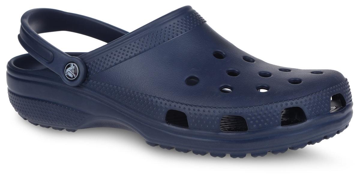 Сабо Crocs Classic, цвет: темно-синий. 10001-410. Размер 16 (49)10001-410Модные сабо Classic от Crocs придутся вам по душе. Модель полностью выполнена из полимера Croslite. Благодаря материалу Croslite обувь невероятно легкая, мягкая и удобная. Материал Croslite - бактериостатичен, препятствует появлению неприятных запахов и легок в уходе: быстро сохнет и не оставляет следов на любых поверхностях. Верх модели и боковые стороны оформлены отверстиями, которые обеспечивают естественную вентиляцию. Под воздействием температуры тела обувь принимает форму стопы. Пяточный ремешок, оформленный названием бренда, обеспечивает фиксацию стопы при ходьбе. Рельефная поверхность верхней части подошвы комфортна при движении. Рифленое основание подошвы гарантирует идеальное сцепление с любой поверхностью. Такие сабо - отличное решение для каждодневного использования!