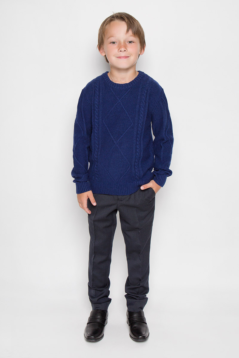 Джемпер для мальчика Nota Bene, цвет: темно-синий. WK5205-29. Размер 98WK5205-29Модный джемпер для мальчика Nota Bene подарит вашему ребенку комфорт и удобство в прохладные дни. Изготовленный из высококачественной пряжи, он необычайно мягкий и приятный на ощупь, не сковывает движения и позволяет коже дышать, не раздражает даже самую нежную и чувствительную кожу ребенка, обеспечивая наибольший комфорт. Джемпер с длинными рукавами и круглым вырезом горловины превосходно тянется и отлично сидит. Горловина, манжеты рукавов и низ джемпера связаны резинкой. Оригинальный современный дизайн и модная расцветка делают этот джемпер модным и стильным предметом детского гардероба. В нем ваш малыш будет чувствовать себя уютно и комфортно и всегда будет в центре внимания!