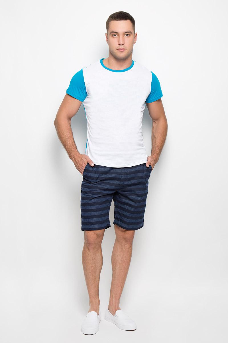 Шорты мужские Top Secret, цвет: темно-синий. SSZ0737GR. Размер 34 (50)SSZ0737GRСтильные и практичные мужские шорты Top Secret великолепно подойдут для повседневной носки и помогут вам создать незабываемый современный образ. Классическая модель стандартной посадки изготовлена из натурального хлопка, благодаря чему великолепно пропускает воздух, обладает высокой гигроскопичностью и превосходно сидит. Шорты застегиваются на ширинку на пуговицах. На поясе расположены шлевки для ремня. Шорты имеют классический пятикарманный крой: они оснащены двумя втачными карманами и небольшим втачным кармашком спереди, а также двумя втачными карманами на пуговицах сзади. Шорты оформлены принтом в полоску.Эти модные и в то же время удобные шорты станут великолепным дополнением к вашему гардеробу. В них вы всегда будете чувствовать себя уверенно и комфортно.
