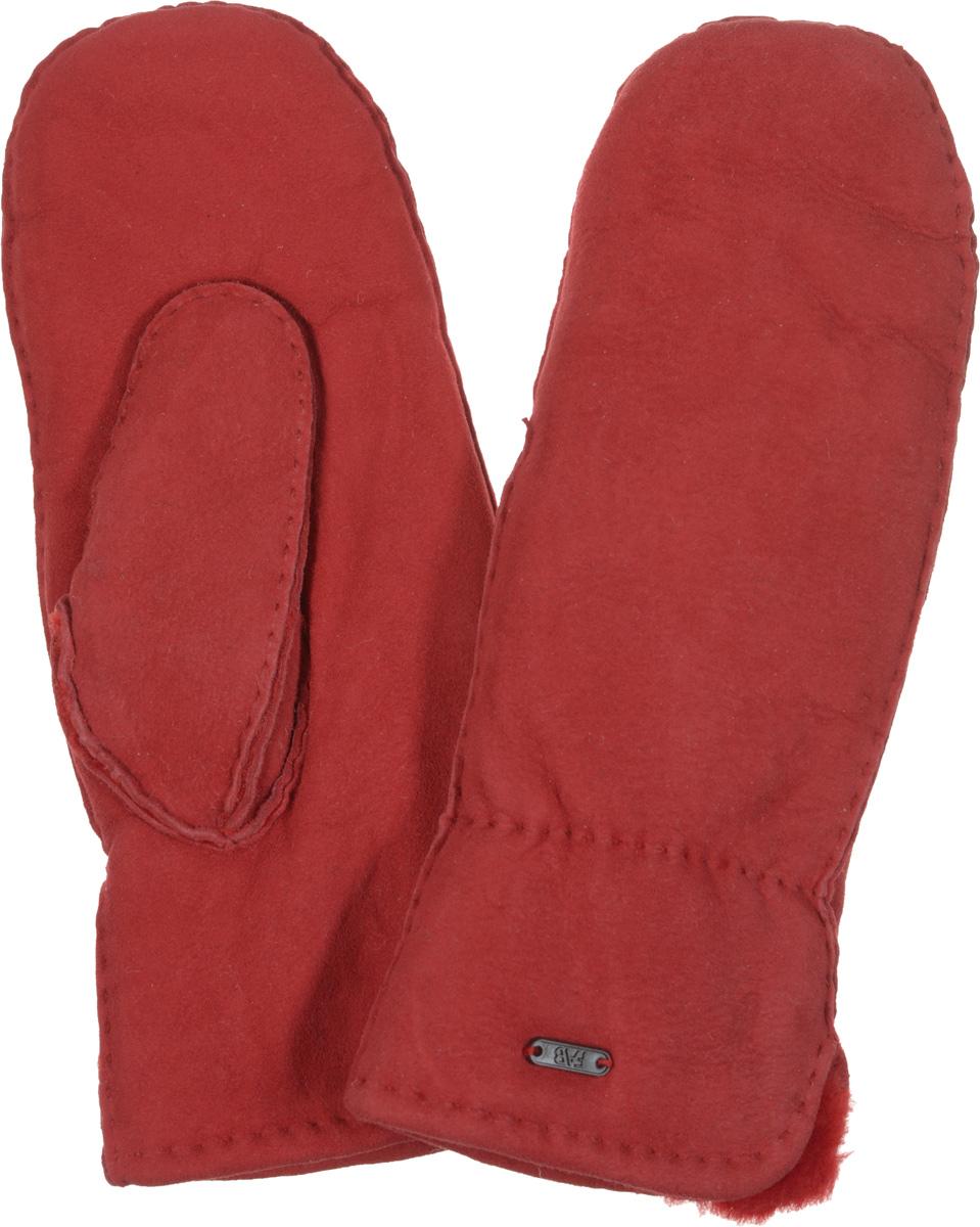 Варежки женские Fabretti, цвет: красный. 25.4-7 red. Размер M (7)25.4-7 redПрекрасные теплые варежки Fabretti - незаменимый аксессуар зимнего гардероба. Модель выполнена из натуральной кожи с меховой подкладкой. Края рукавиц обработаны вручную. Модель дополнена небольшим декоративным элементом с изображением логотипа бренда.Великолепные варежки Fabretti не только согреют пальчики, но и дополнят ваш образ в качестве эффектного аксессуара.