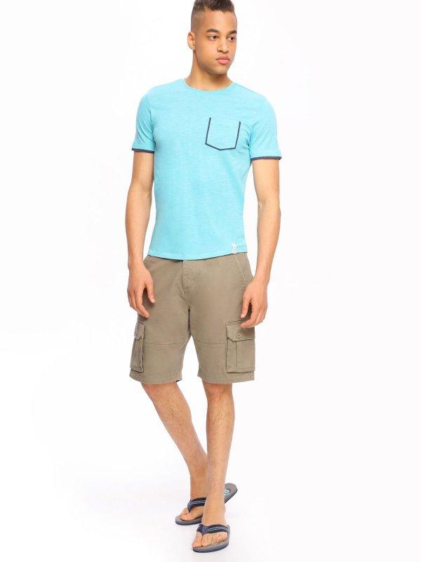 Шорты мужские Top Secret, цвет: серо-оливковый. SSZ0732ZI. Размер 33 (48/50)SSZ0732ZIСтильные шорты Top Secret, изготовленные из натурального хлопка, подойдут любому мужчине, который ценит комфорт и оригинальность. Шорты на талии застегиваются на пластиковую пуговицу, также имеются ширинка на застежках-пуговицах и шлевки для ремня. С внутренней стороны на талии имеется скрытый шнурок. Модель спереди дополнена двумя втачными карманами, а сзади - двумя прорезными карманами с клапанами на пуговицах. Также по бокам предусмотрены вместительные накладные карманы с клапанами на застежках-пуговицах.