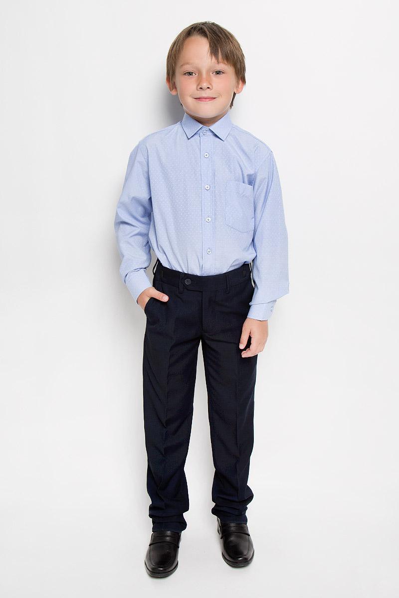 Рубашка для мальчика Tsarevich, цвет: голубой. Valencia 2. Размер 31/128-134Valencia 2Рубашка для мальчика Tsarevich отлично сочетается как с джинсами, так и с классическими брюками. Она выполнена из хлопка с добавлением полиэстера. Материал изделия мягкий и приятный на ощупь, не сковывает движения и обладает высокими дышащими свойствами.Рубашка прямого кроя с длинными рукавами и отложным воротником застегивается на пуговицы по всей длине. Манжеты рукавов также имеют застежки-пуговицы. На груди расположен накладной карман. Модель оформлена мелким вышитым рисунком. Такая рубашка станет стильным и модным дополнением к детскому гардеробу, в ней ребенку будет удобно и комфортно.