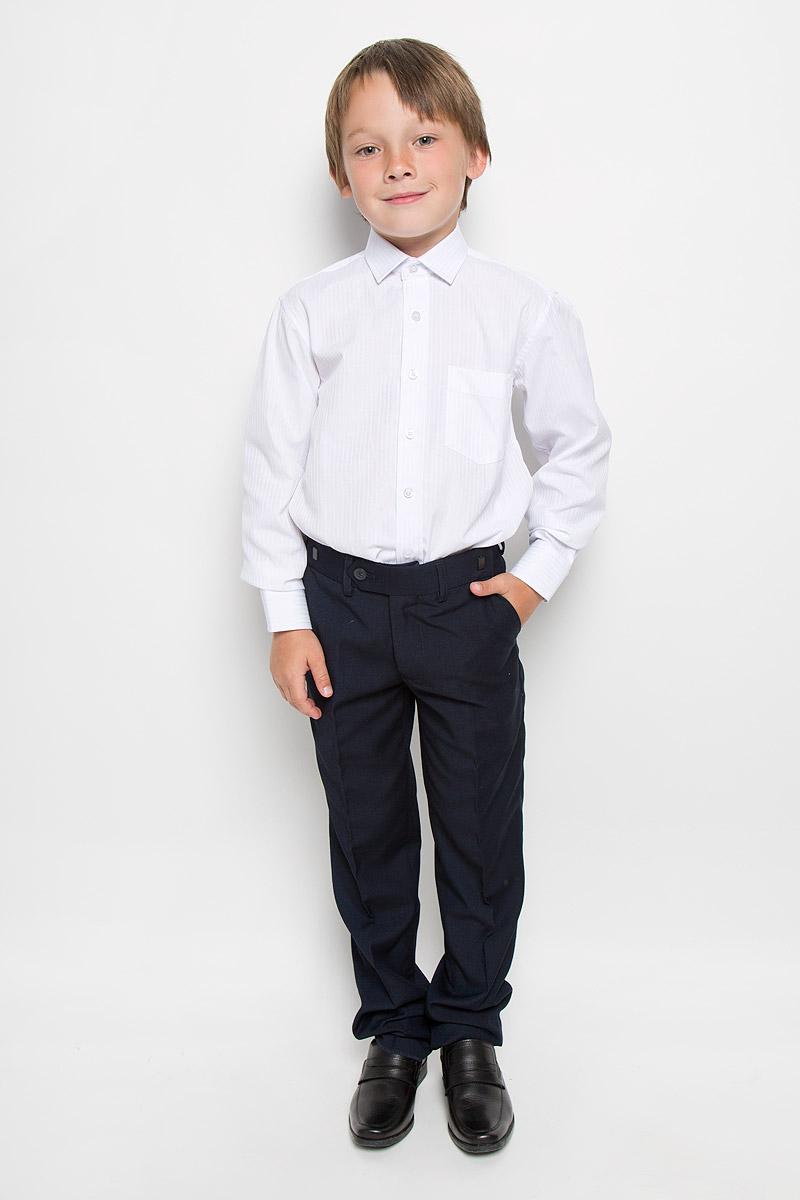 Рубашка для мальчика Tsarevich, цвет: белый. Boss 1. Размер 34/152-158Boss 1Рубашка для мальчика Tsarevich отлично сочетается как с джинсами, так и с классическими брюками. Она выполнена из хлопка с добавлением полиэстера. Материал изделия мягкий и приятный на ощупь, не сковывает движения и обладает высокими дышащими свойствами.Рубашка прямого кроя с длинными рукавами и отложным воротником застегивается на пуговицы по всей длине. Манжеты рукавов также имеют застежки-пуговицы. На груди расположен накладной карман. Модель оформлена полосками. Такая рубашка займет достойное место в детском гардеробе, в ней ребенку будет удобно и комфортно.