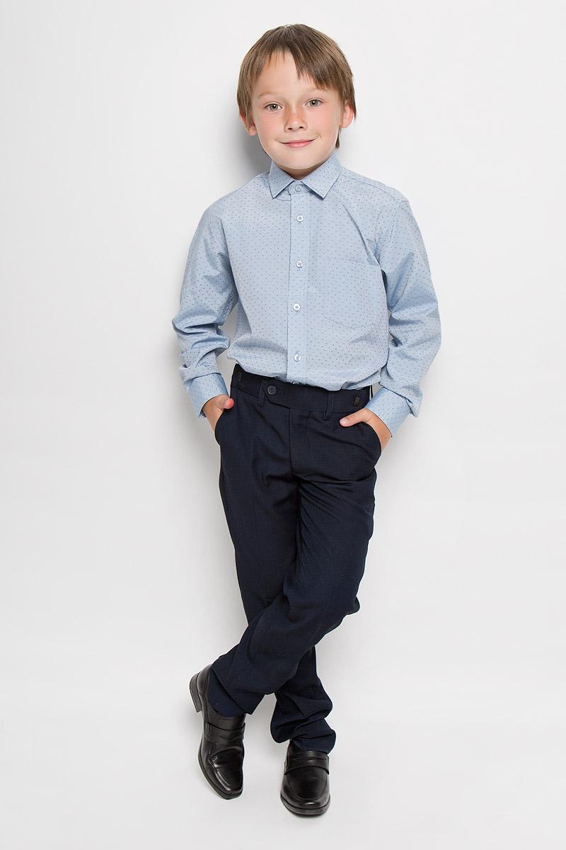 Рубашка для мальчика Imperator, цвет: серо-голубой. Lyon 7. Размер 34/152-158Lyon 7Стильная рубашка для мальчика Imperator отлично сочетается как с джинсами, так и с классическими брюками. Она выполнена из хлопка с добавлением полиэстера. Материал изделия мягкий и приятный на ощупь, не сковывает движения и обладает высокими дышащими свойствами.Рубашка прямого кроя с длинными рукавами и отложным воротником застегивается на пуговицы по всей длине. Манжеты рукавов также имеют застежки-пуговицы. На груди расположен накладной карман. Дизайн и расцветка делают эту рубашку стильным и модным предметом одежды. Она займет достойное место в детском гардеробе!