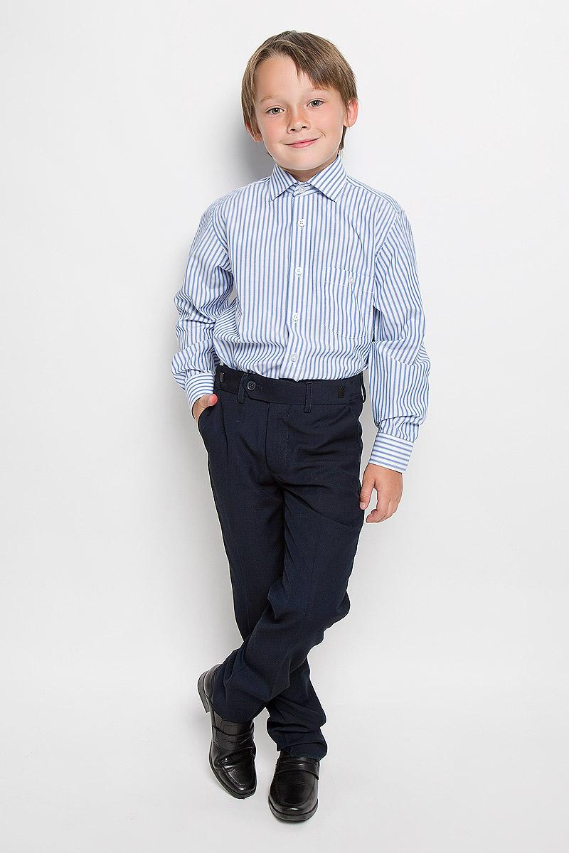 Рубашка для мальчика Imperator, цвет: белый, синий. Agent 058. Размер 33/146-152, 9-11 летAgent 058Стильная рубашка для мальчика Imperator идеально подойдет вашему юному мужчине. Изготовленная из хлопка с добавлением полиэстера, она мягкая и приятная на ощупь, не сковывает движения и позволяет коже дышать, не раздражает даже самую нежную и чувствительную кожу ребенка, обеспечивая ему наибольший комфорт. Модель классического кроя с длинными рукавами и отложным воротничком застегивается по всей длине на пуговицы. На груди располагается накладной карман на пуговице. Края рукавов дополнены широкими манжетами на пуговицах. Оформлено изделие принтом в полоску. Такая рубашка будет прекрасно смотреться с брюками и джинсами. Она станет неотъемлемой частью детского гардероба.