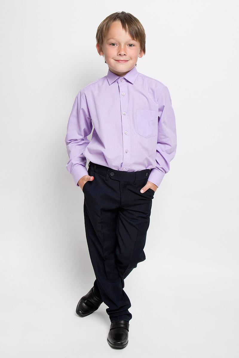 Рубашка для мальчика Imperator, цвет: сиреневый. Xen 09. Размер 34/146-152Xen 09Рубашка для мальчика Imperator отлично сочетается как с джинсами, так и с классическими брюками. Она выполнена из хлопка с добавлением полиэстера. Материал изделия мягкий и приятный на ощупь, не сковывает движения и обладает высокими дышащими свойствами.Однотонная рубашка прямого кроя с длинными рукавами имеет отложной воротник. Модель застегивается на пуговицы по всей длине. Манжеты рукавов также имеют застежки-пуговицы. На груди расположен накладной карман. Такая рубашка займет достойное место в детском гардеробе, в ней ребенку будет удобно и комфортно.