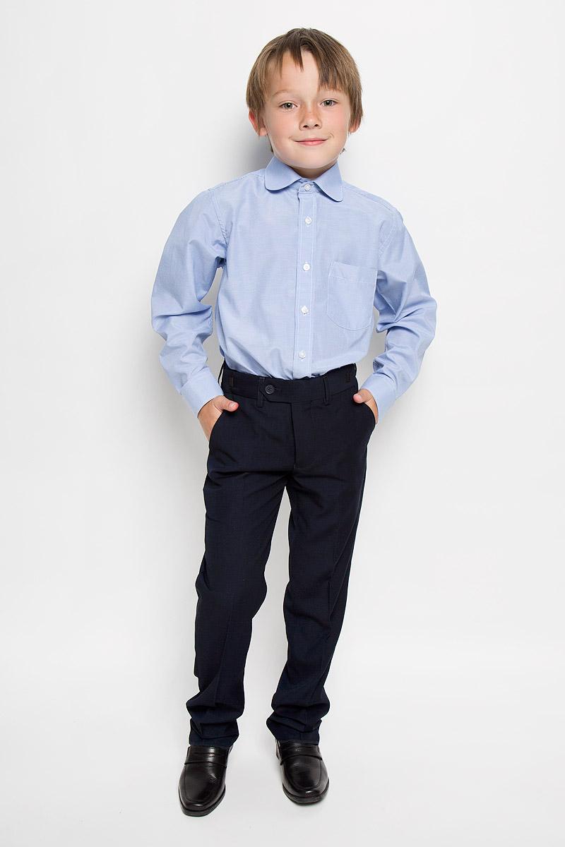Рубашка для мальчика Imperator, цвет: голубой. Graf 11/41. Размер 34/146-152Graf 11/41Рубашка для мальчика Imperator выполнена из хлопка с добавлением полиэстера. Она отлично сочетается как с джинсами, так и с классическими брюками. Материал изделия мягкий и приятный на ощупь, не сковывает движения и обладает высокими дышащими свойствами.Рубашка прямого кроя с длинными рукавами и отложным воротником застегивается на пуговицы по всей длине. Манжеты рукавов также имеют застежки-пуговицы. На груди расположен накладной карман. Оформлена модель принтом в мелкую полоску.Современный дизайн и высокое качество исполнения принесут удовольствие от покупки и подарят отличное настроение!