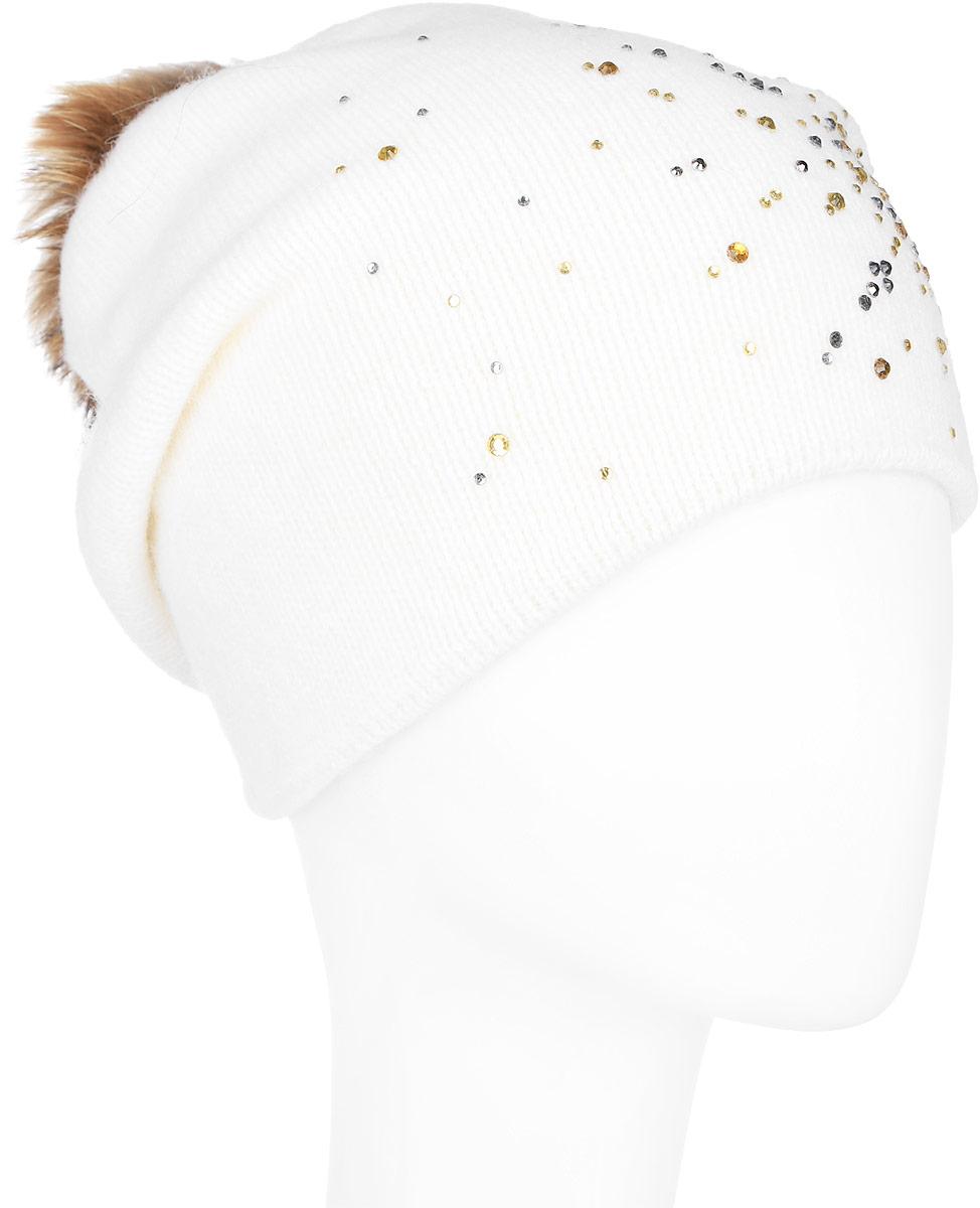 Шапка женская Finn Flare, цвет: молочный. A16-12130_201. Размер 56A16-12130_201Стильная женская шапка Finn Flare дополнит ваш наряд и не позволит вам замерзнуть в холодное время года. Шапка выполнена из высококачественной пряжи, что позволяет ей великолепно сохранять тепло и обеспечивает высокую эластичность и удобство посадки. Изделие дополнено тёплой подкладкой.Модель оформлена пушистым помпоном из меха енота и украшена узором из страз. Такая шапка станет модным и стильным дополнением вашего гардероба. Она согреет вас и позволит подчеркнуть свою индивидуальность!